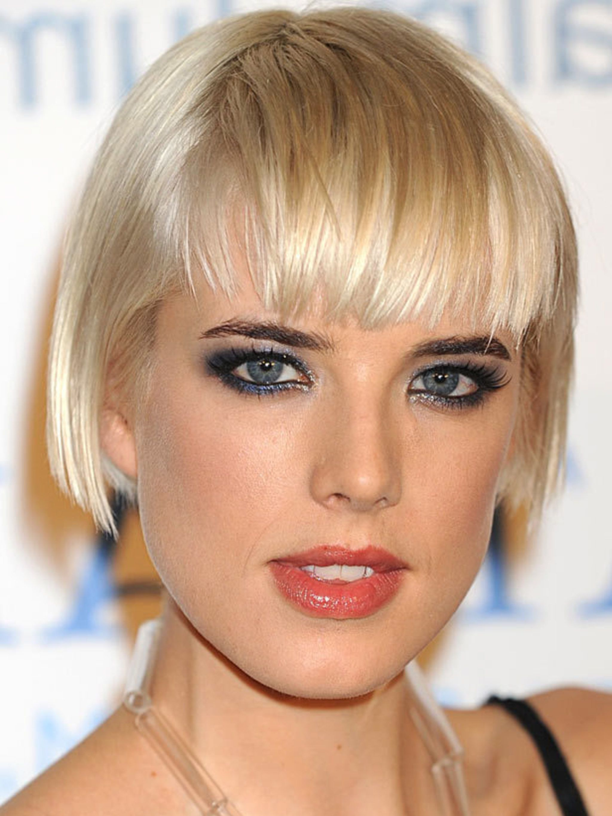 Famous Sleek Bob Hairstyles With Cropped Jagged Bangs Inside 44 Bob Hairstyles For 2019 – Bob Haircuts To Copy This Year (View 12 of 20)