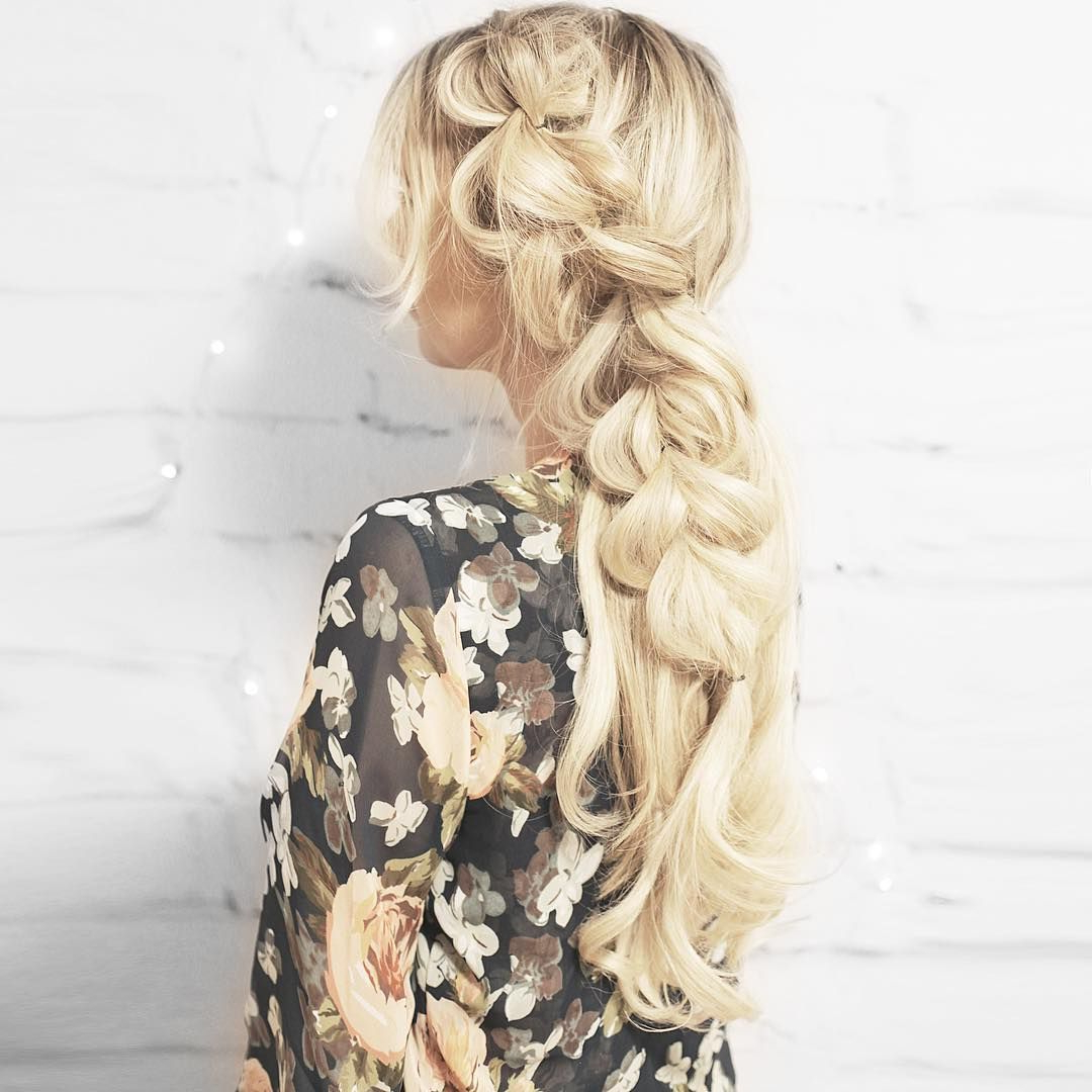 Featured Photo of Blonde Accent Braid Hairstyles