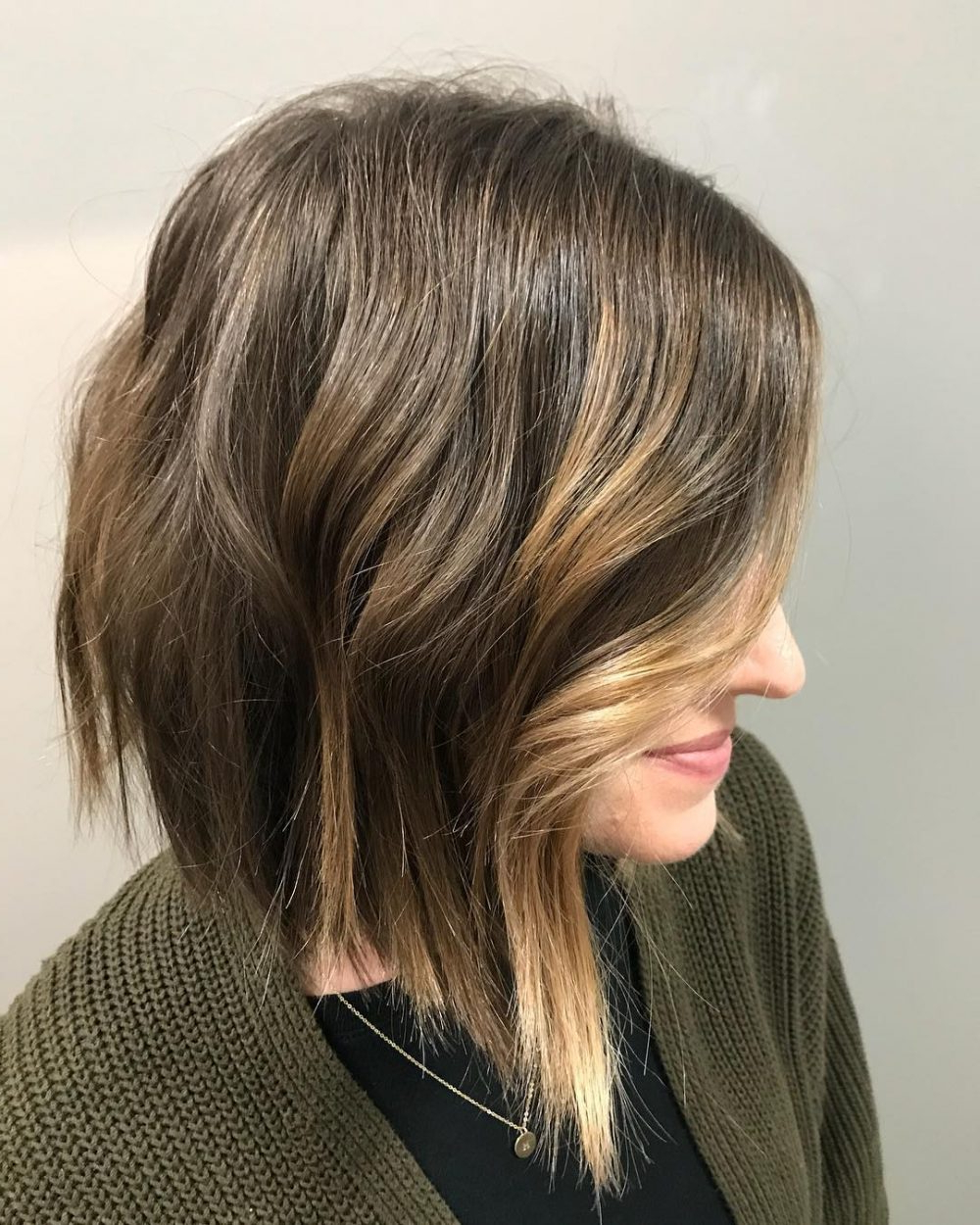 Fashionable Asymmetrical Choppy Lob Hairstyles Regarding 46 Chic Choppy Bob Hairstyles For  (View 13 of 20)