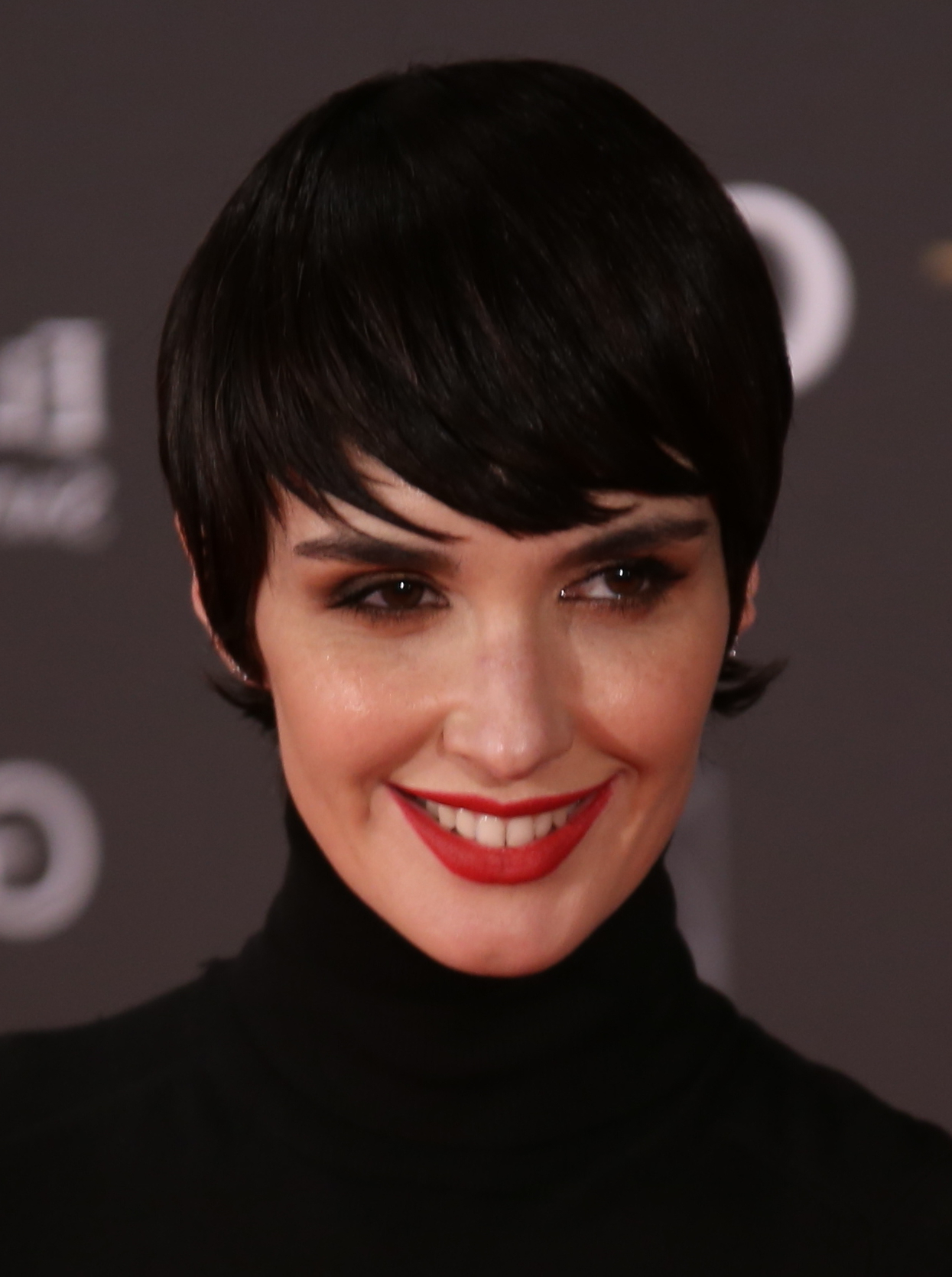 Favorite Horizontally Oriented Bangs Bob Haircuts With File:paz Vega En Los Premios Goya 2017 (Cropped) – Wikimedia Commons (View 15 of 20)