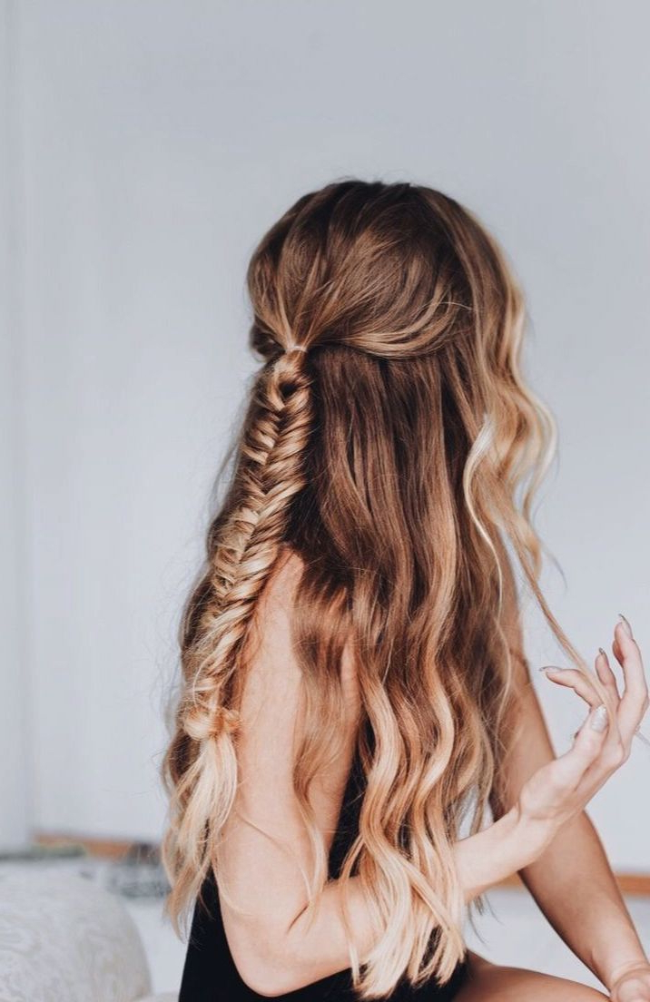 Fishtail Braid With Wavy Hair (View 13 of 20)