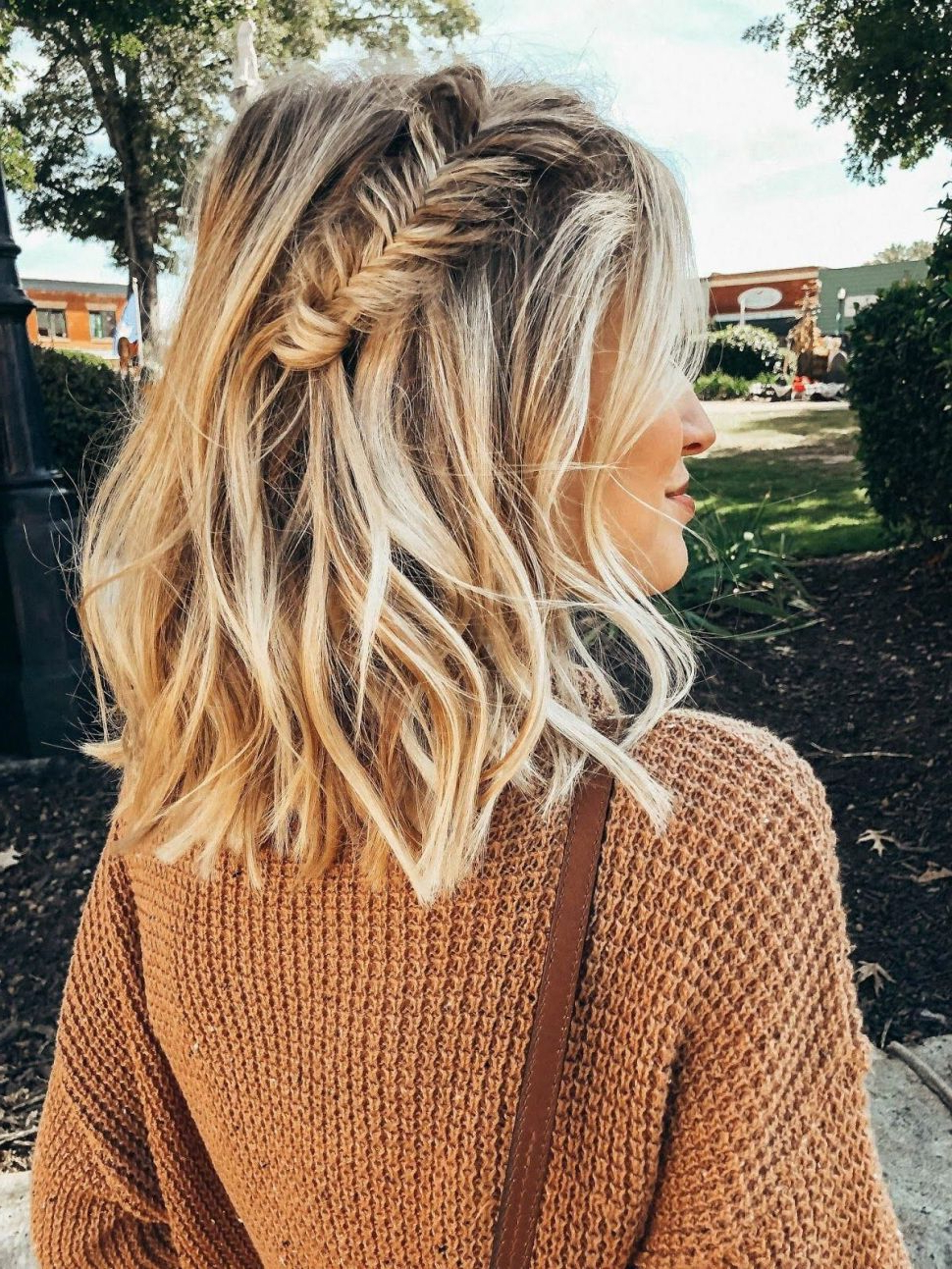 Most Recently Released Messy Hairstyles With Beachy Waves Pertaining To Hairstyles : Messy Waves With A Fishtail Braid Little Blonde Book (View 13 of 20)