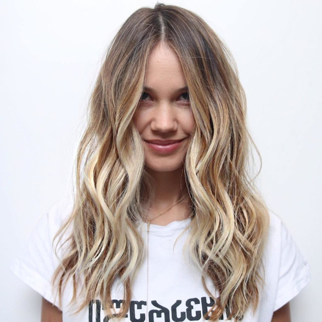 The Most Popular Hairstyles For Women In 2018 – Kn Hair For 2019 Messy Hairstyles With Beachy Waves (View 18 of 20)