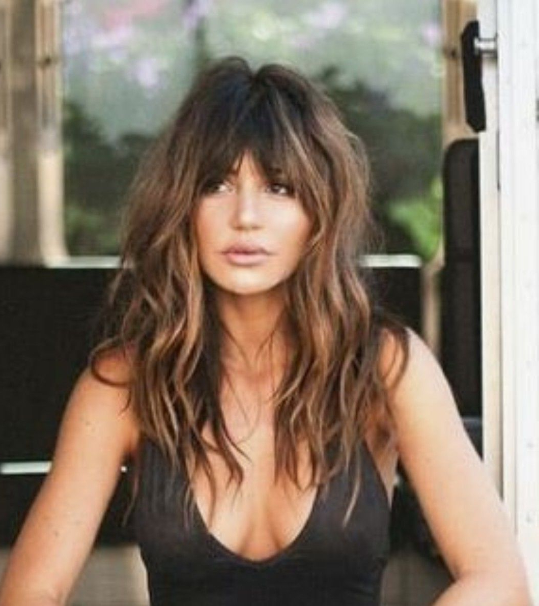 Well Known Fringe Hairstyles With Beachy Vibes Pertaining To Gorgeous Long Wavy Hair With Bangs // Love The Dark Bangs And (Gallery 3 of 20)