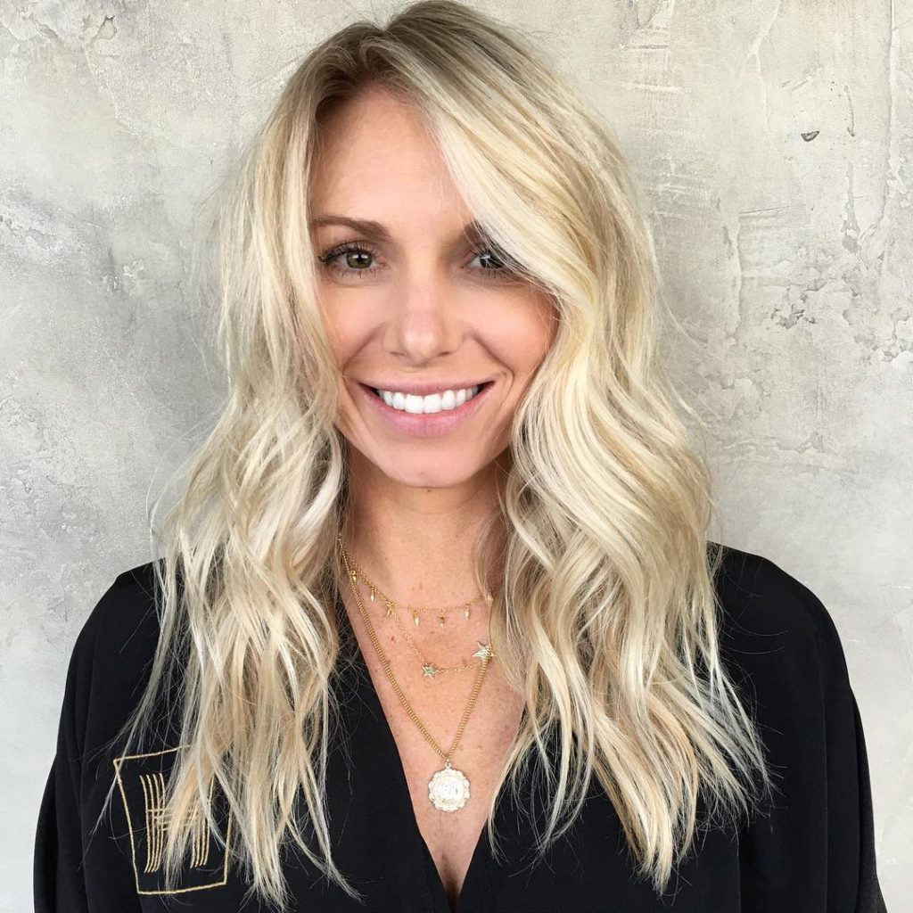 Well Known Full Tousled Layers Hairstyles Pertaining To Women's Blonde Layered Cut With Tousled Waves And Subtle Balayage (Gallery 14 of 20)