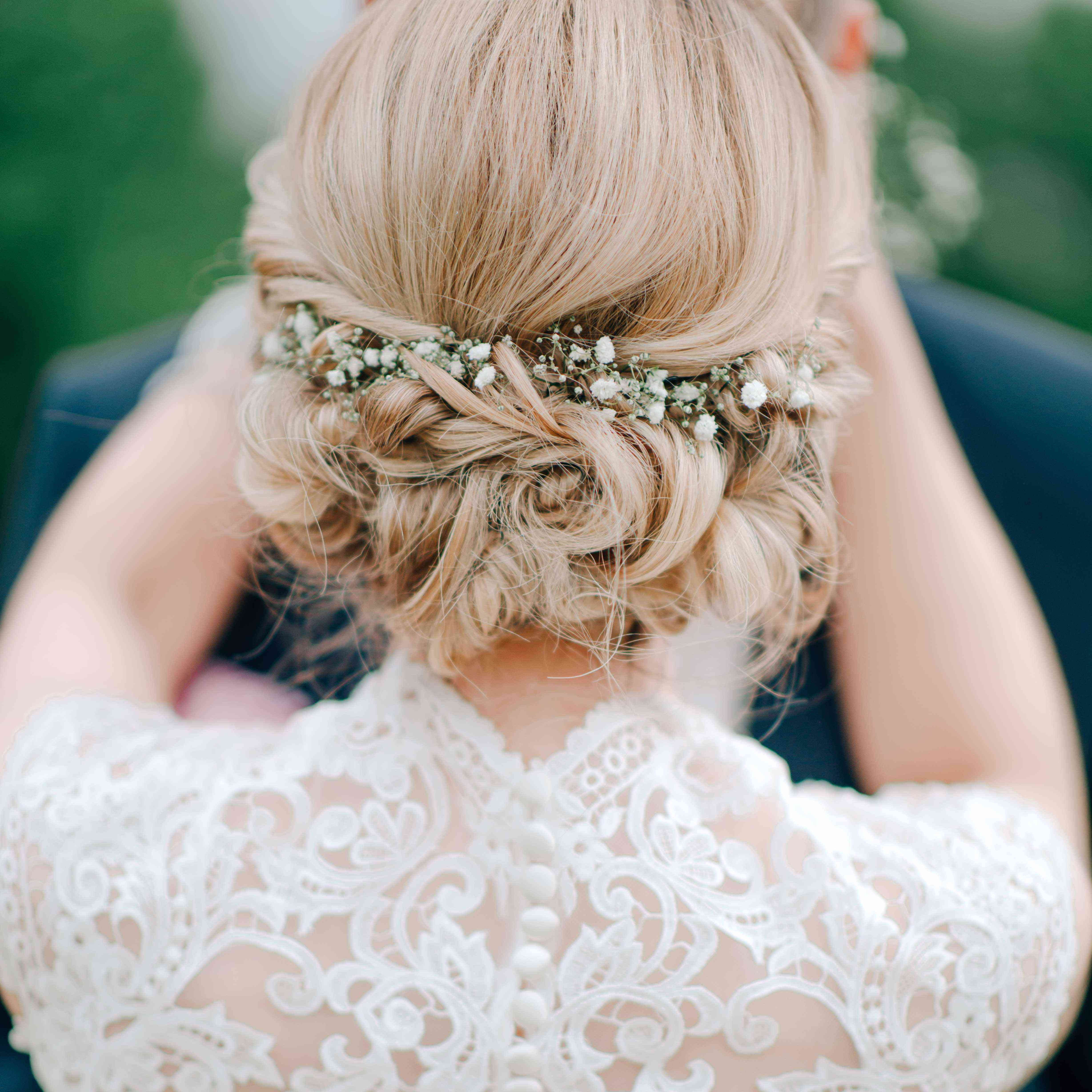 15 Ethereal Wedding Hairstyles Featuring Baby's Breath Throughout Recent Ethereal Updo Hairstyles With Headband (View 11 of 20)