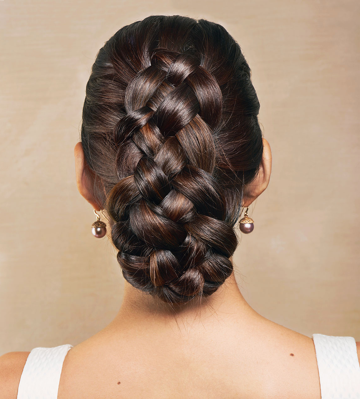 15 Fresh And Fabulous Wedding Hairstyles You Can Diy Intended For Famous Thick Wheel Pattern Braided Hairstyles (View 1 of 20)