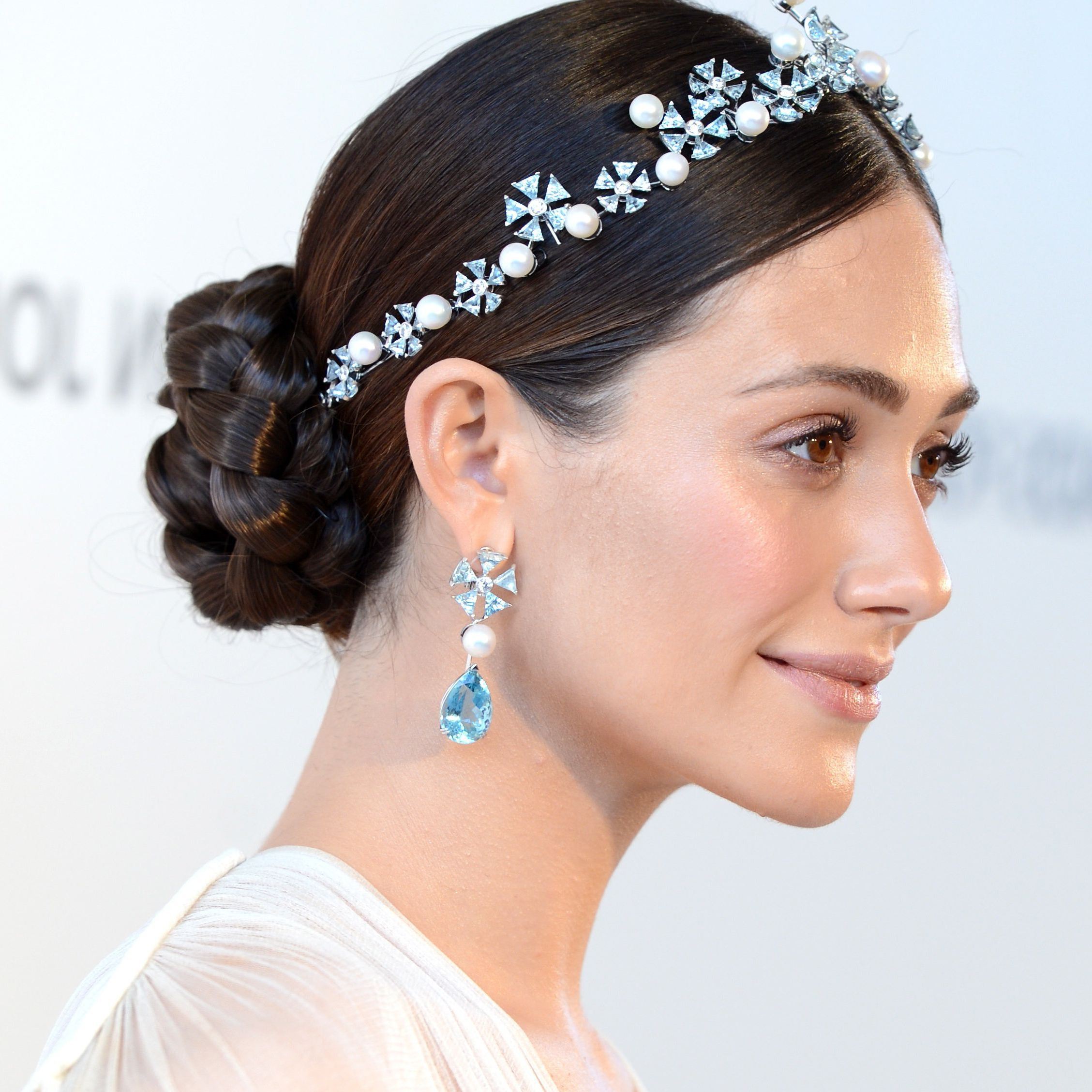 2019 Blinged Out Bun Updo Hairstyles Throughout How To Accessorize Your Prom Hairstyle (View 1 of 20)
