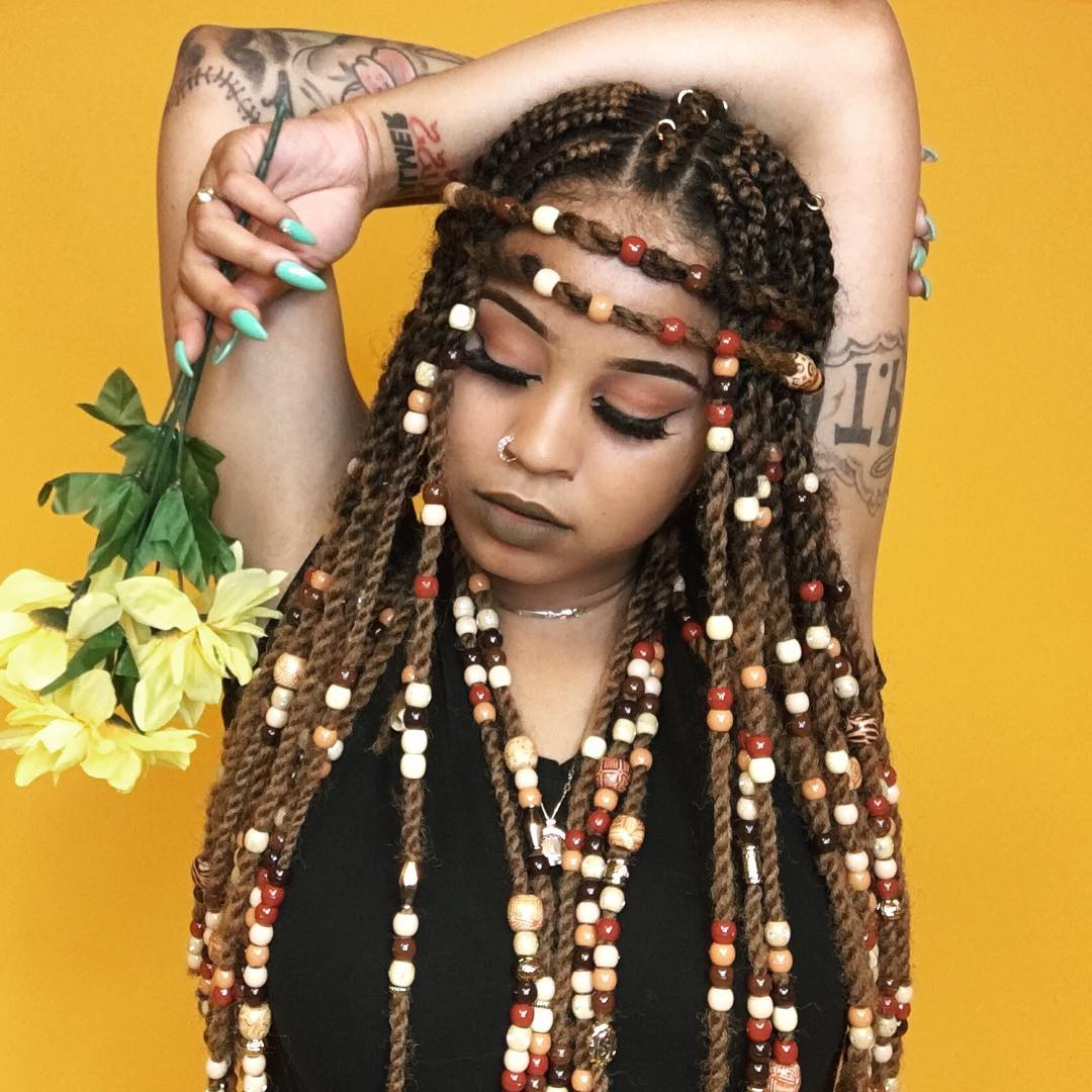 2019 Box Braids And Beads Hairstyles Intended For Braids With Beads: Hairstyles For A Beautiful And Authentic Look (View 6 of 20)