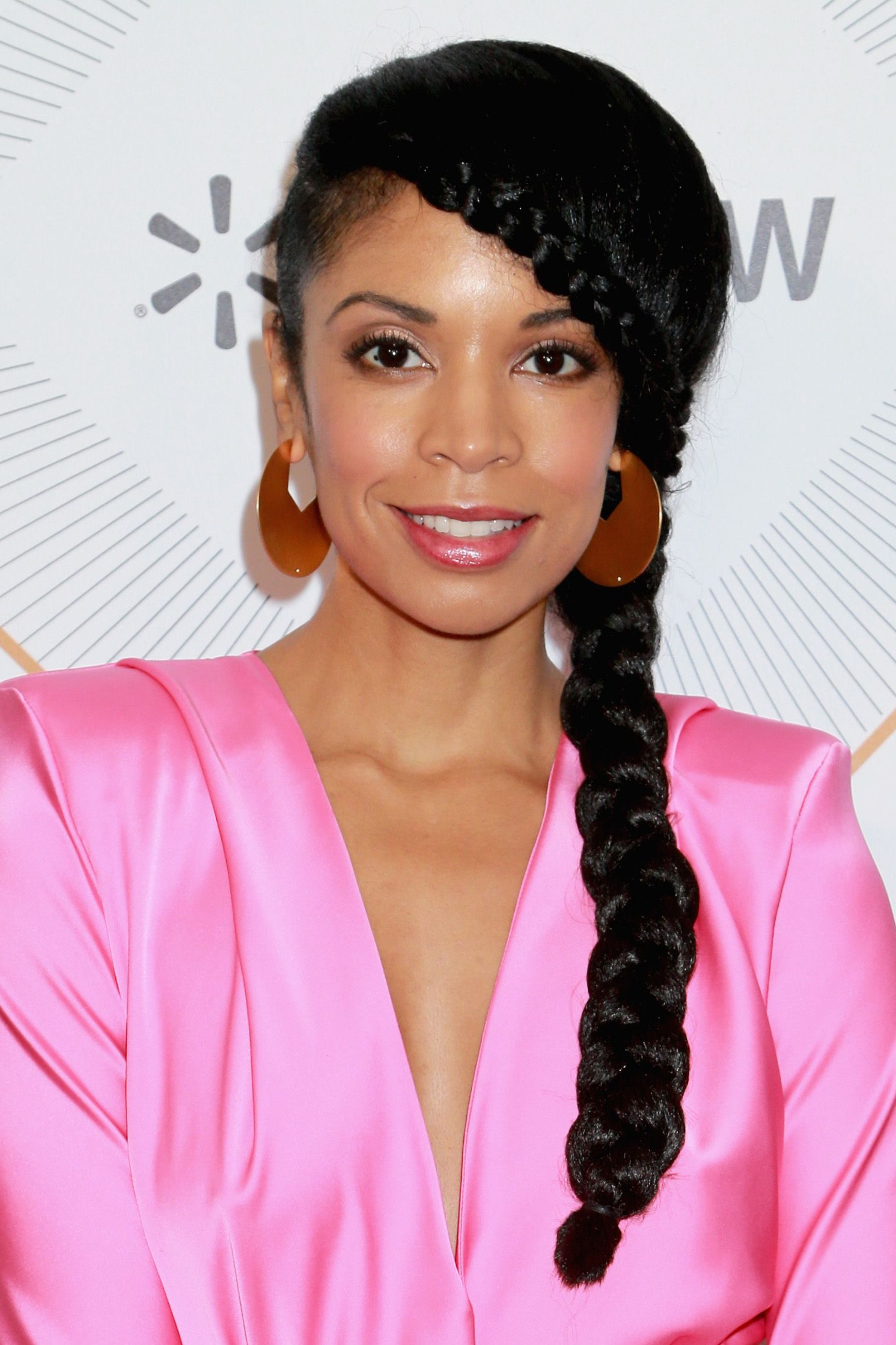 Featured Photo of Dramatic Side Part Braided Hairstyles