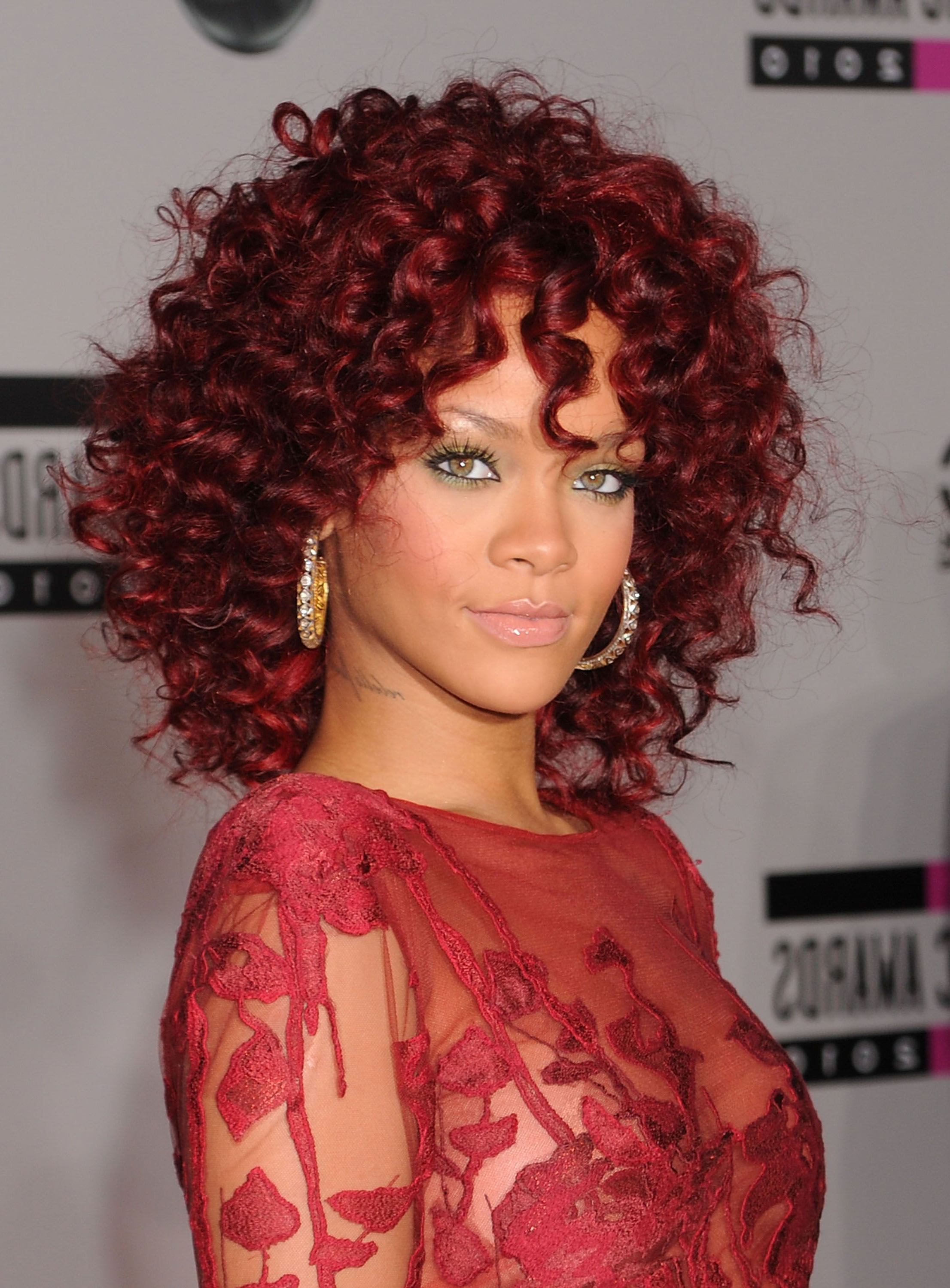 2019 Tiny Twist Hairstyles With Caramel Highlights Throughout 17 Burgundy Hair Color Ideas – Celebrity Burgundy Hairstyles (View 2 of 20)
