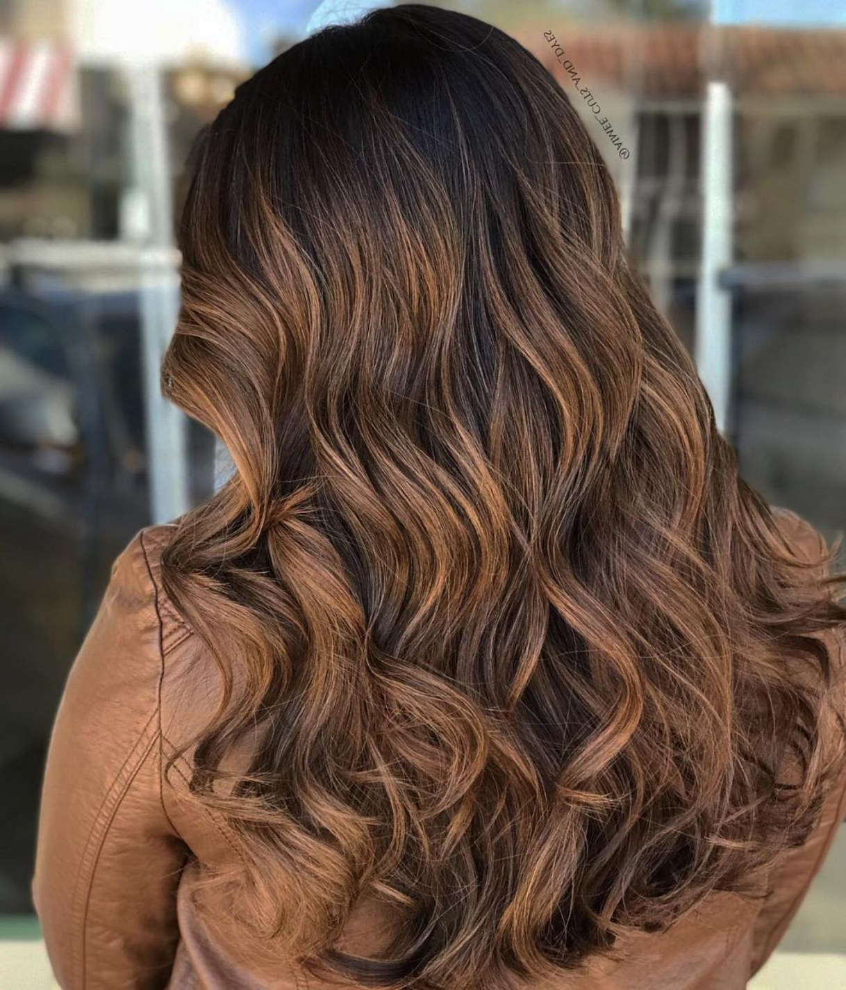 2020 Tiny Twist Hairstyles With Caramel Highlights Inside 60 Looks With Caramel Highlights On Brown And Dark Brown (View 3 of 20)