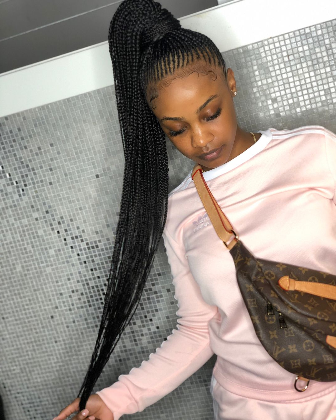 25 Charming Lemonade Braids To Rock Your Appearance Pertaining To 2020 Classic Style Lemonade Braided Hairstyles (View 16 of 20)