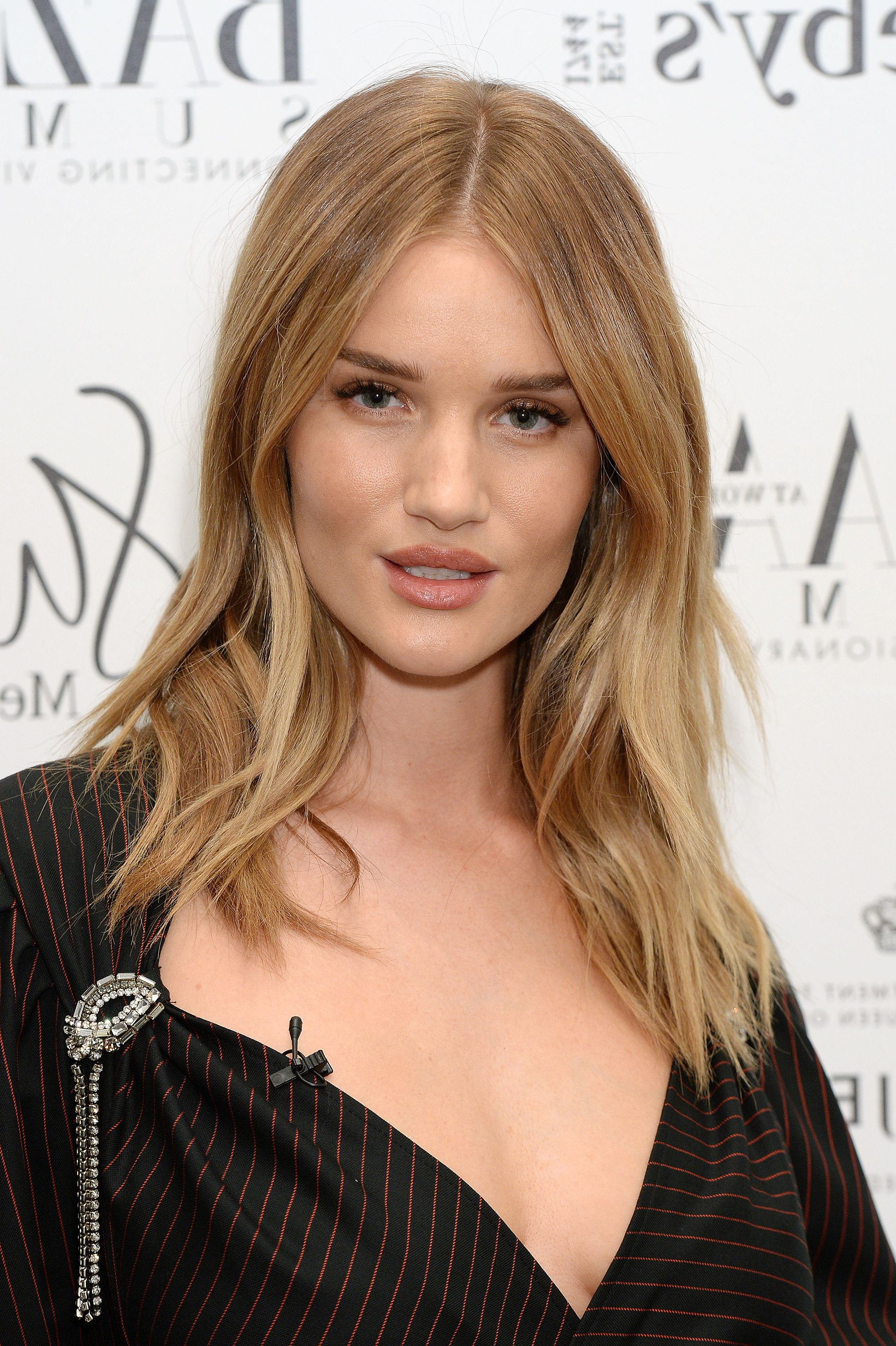 50 Best Medium Hairstyles – Celebrities With Shoulder Length With Well Known Angled Braided Hairstyles On Crimped Hair (Gallery 20 of 20)