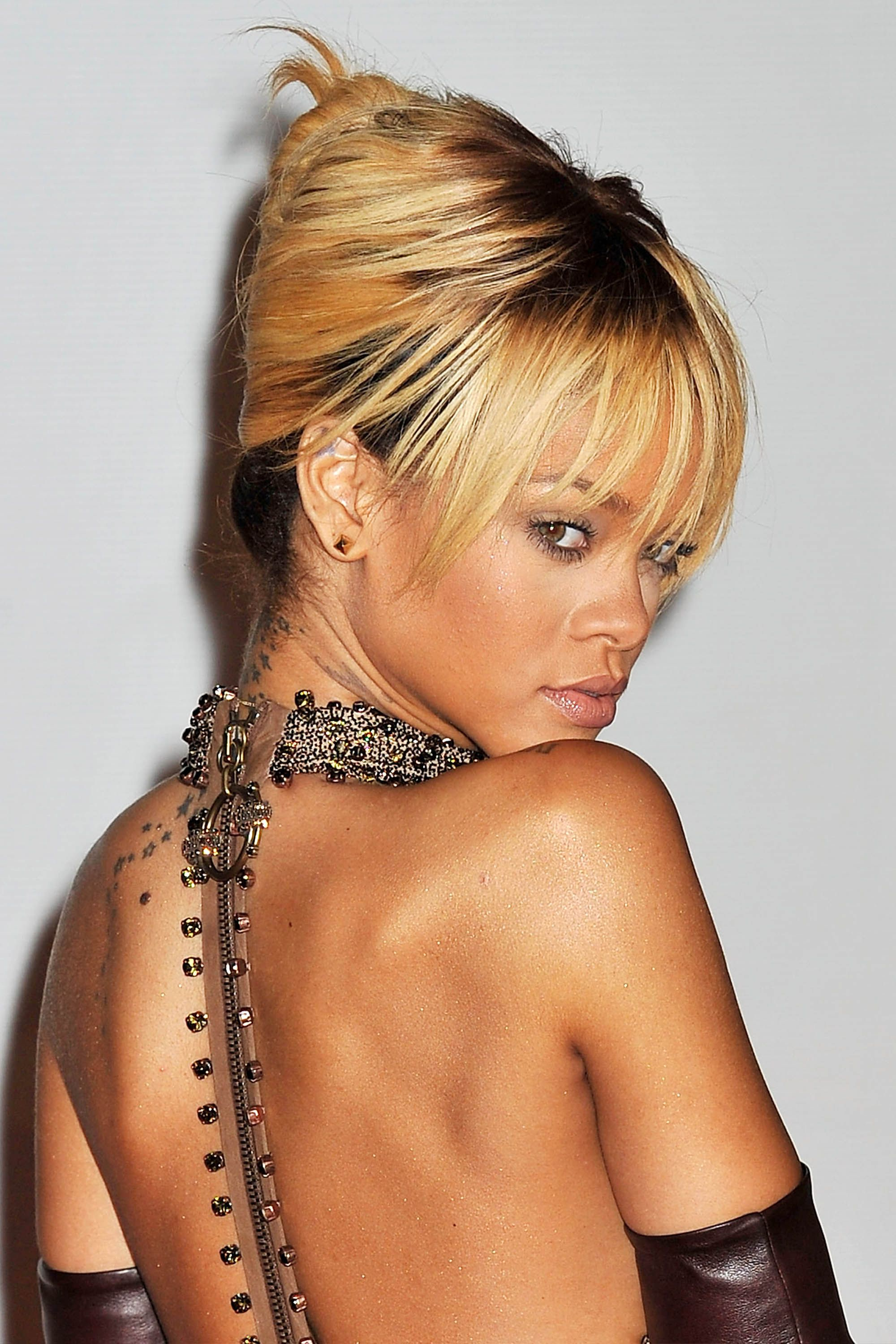 50 Best Rihanna Hairstyles – Our Favorite Rihanna Hair Looks For Well Known Gold Toned Skull Cap Braided Hairstyles (View 17 of 20)