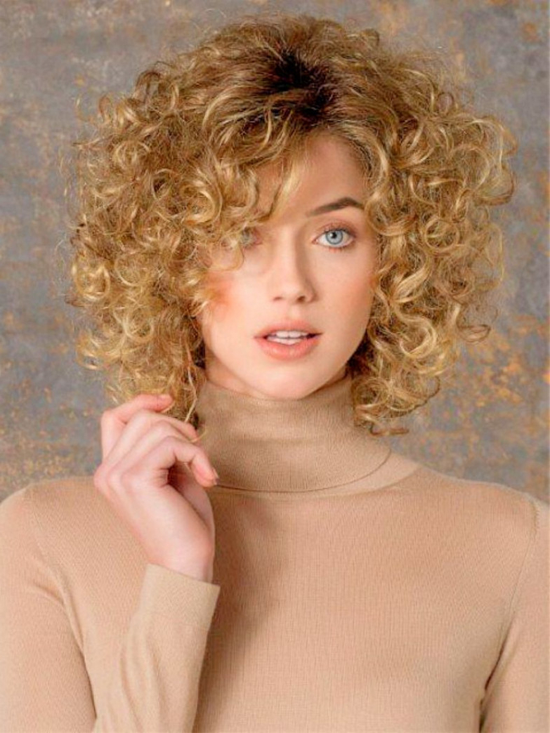 7 Simple Layered Bob Haircuts For Curly Hair (Gallery 14 of 20)