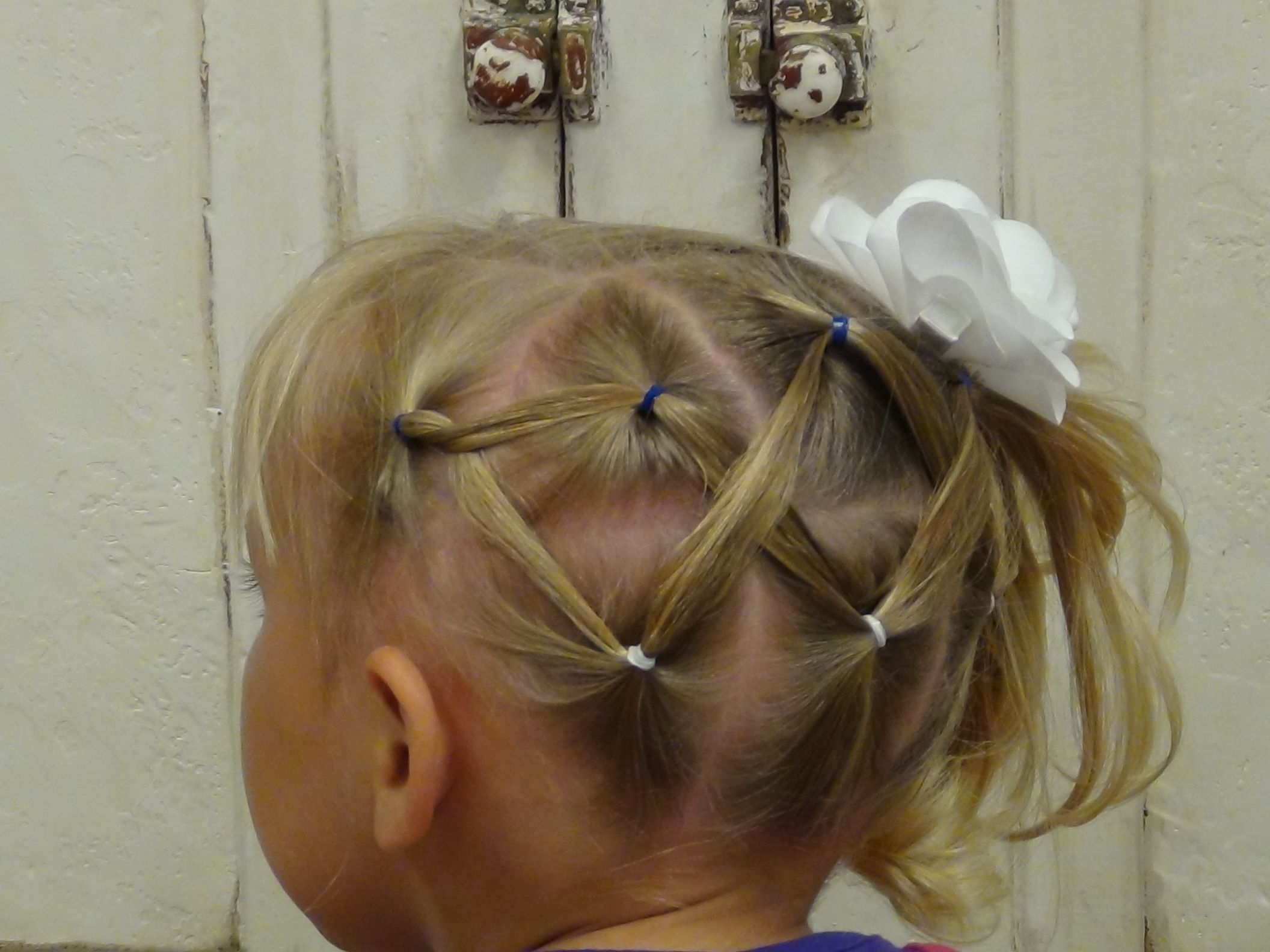 Best And Newest Zig Zag Ponytail Updo Hairstyles In Horizontal Zig Zag Ponytail (View 5 of 20)