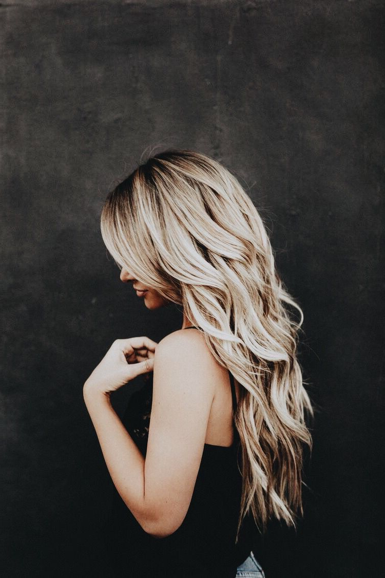 Blonde Hair, Wavy (View 7 of 20)