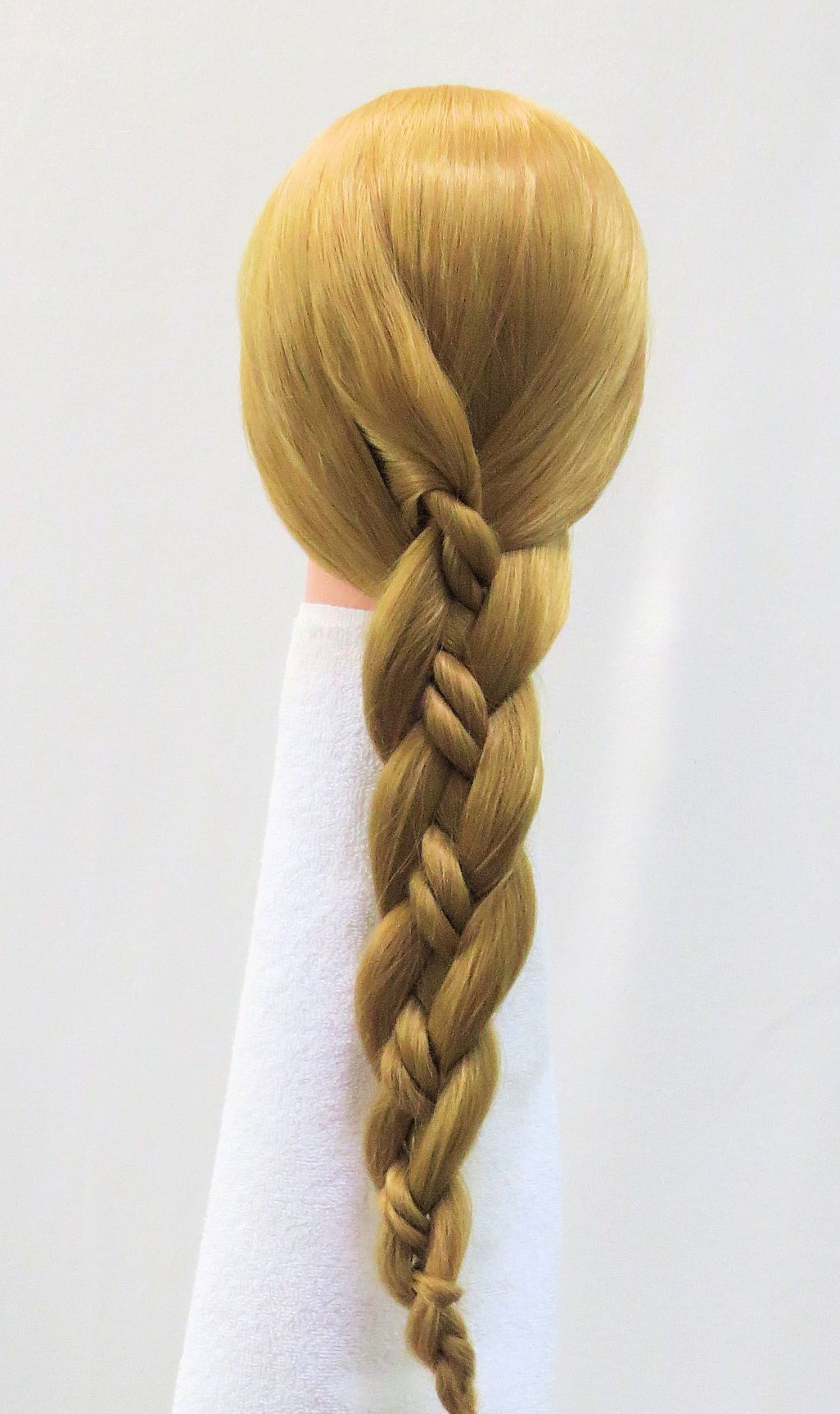 Current Loose 4 Strand Rope Braid Hairstyles In Two Strand Rope Within 3 Strand Braid (View 15 of 20)