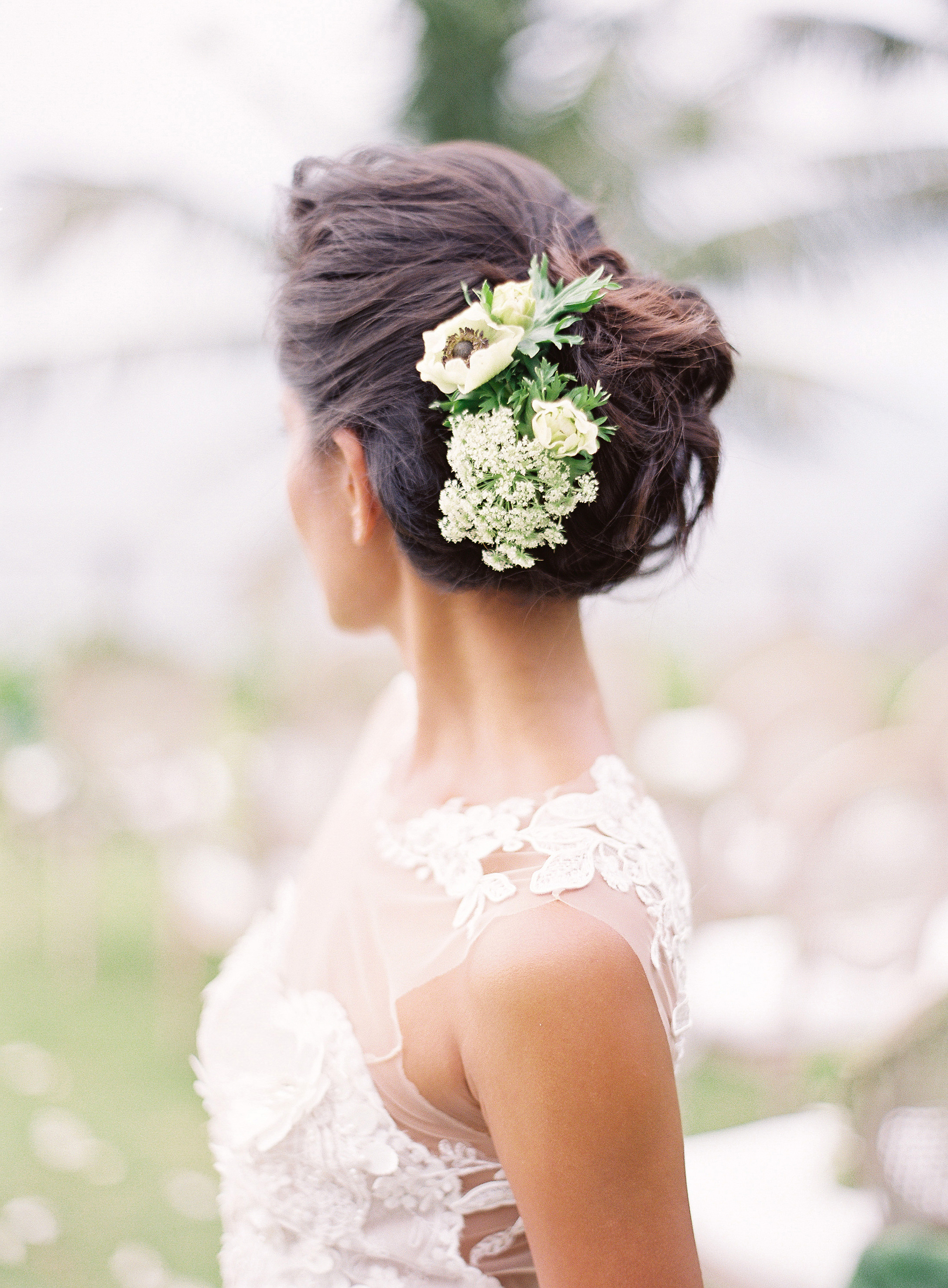 Famous Romantic Florals Updo Hairstyles Within 20 Wedding Hairstyles With Flowers (View 13 of 20)