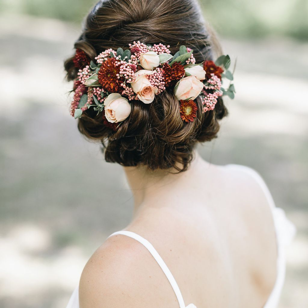 Fashionable Ethereal Updo Hairstyles With Headband Intended For 51 Romantic Wedding Hairstyles (View 15 of 20)