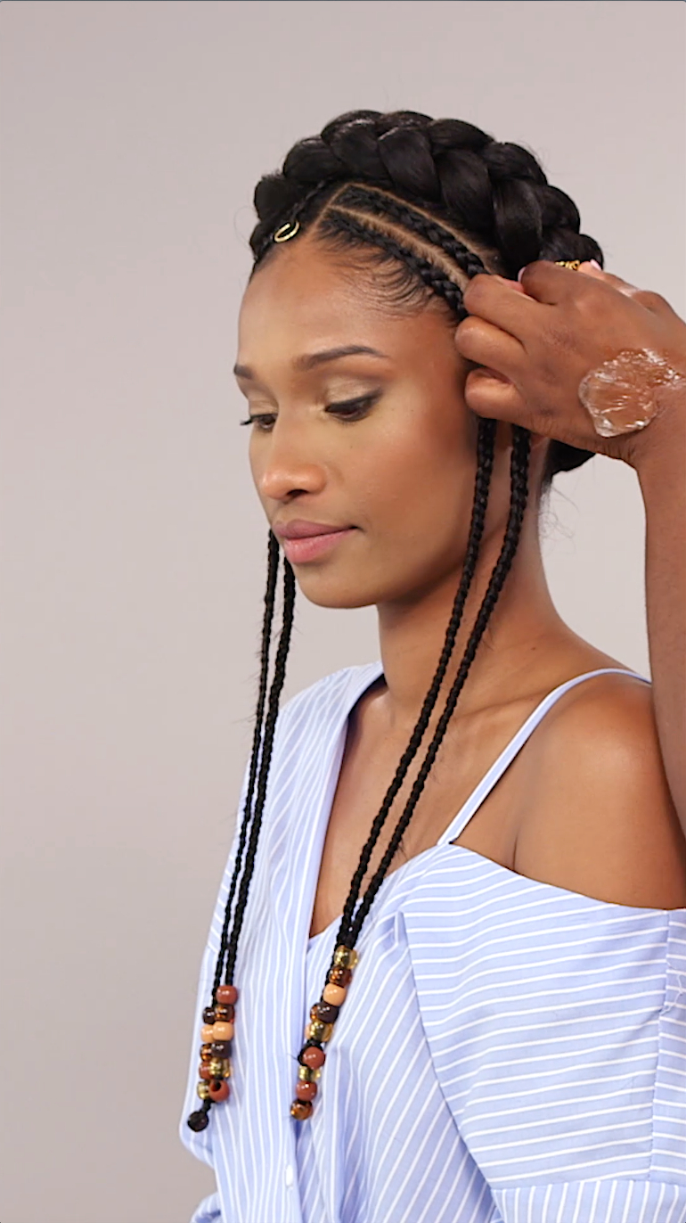 Fashionable Halo Braided Hairstyles With Beads Intended For Beaded Halo Braid (View 4 of 20)