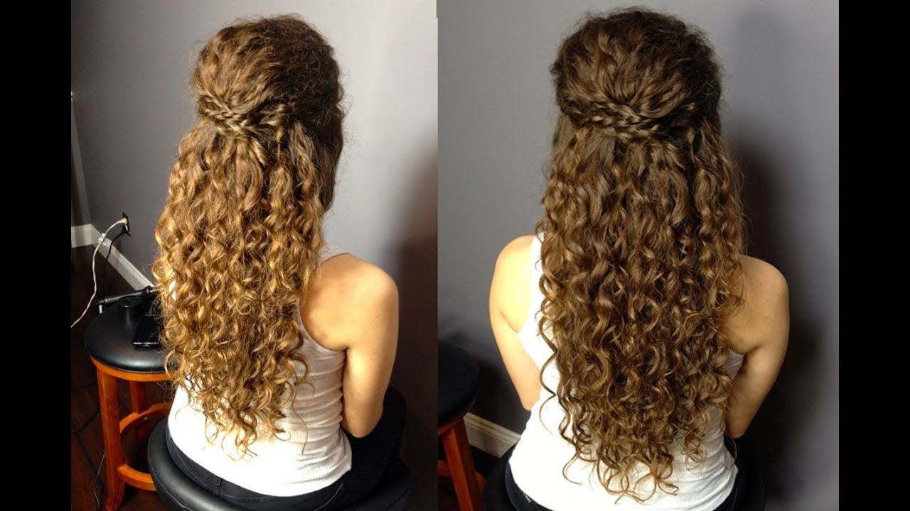 Most Popular Curled Half Up Hairstyles In 26 Modern Curly Hairstyles That Will Slay On Your Wedding (View 15 of 20)