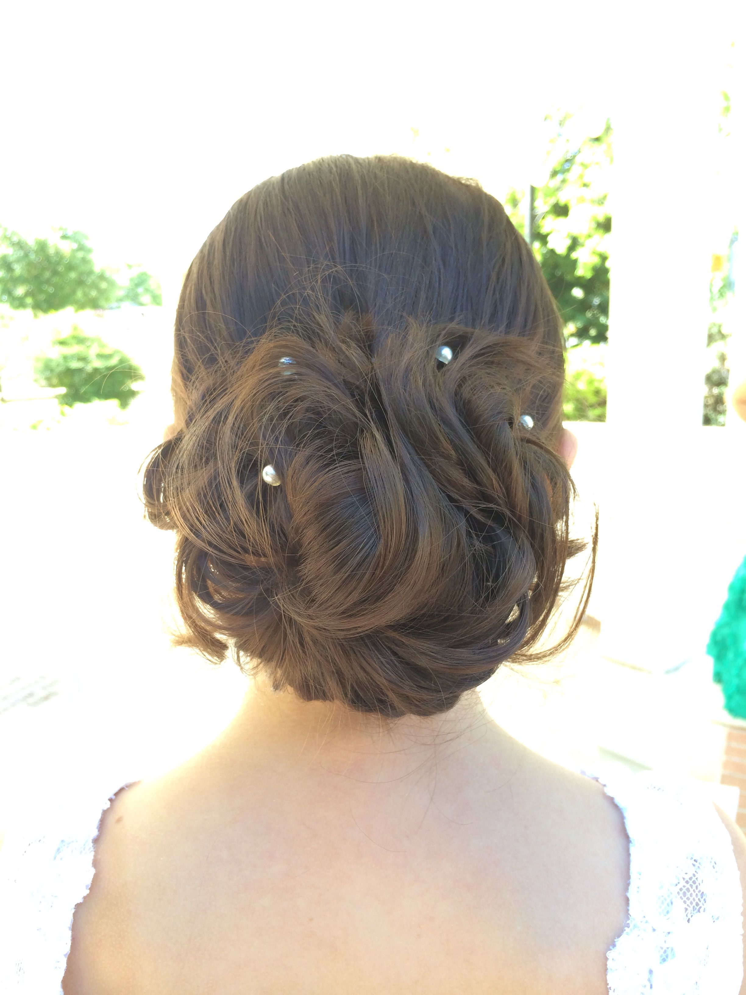 Newest Swirl Bun Updo Hairstyles For Super Easy Up Do (View 13 of 20)