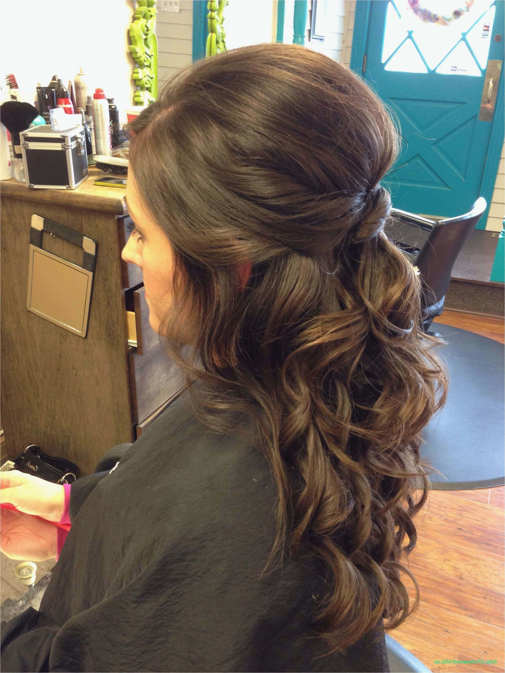 Recent Curled Half Up Hairstyles In 23 Curly Hairstyles For Wedding Half Up (View 10 of 20)