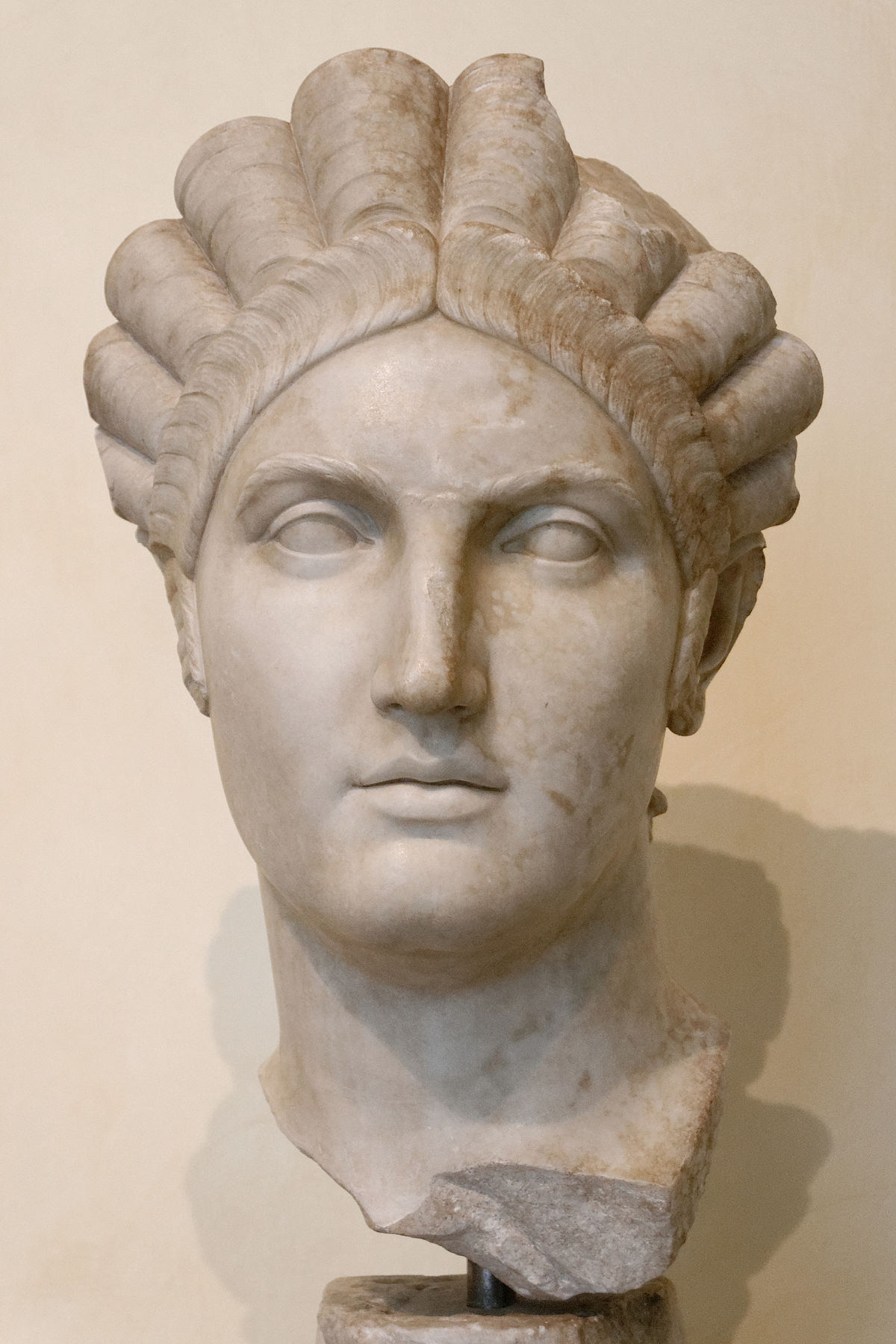 Well Known Extravagant Under Braid Hairstyles In Roman Hairstyles – Wikipedia (Gallery 20 of 20)