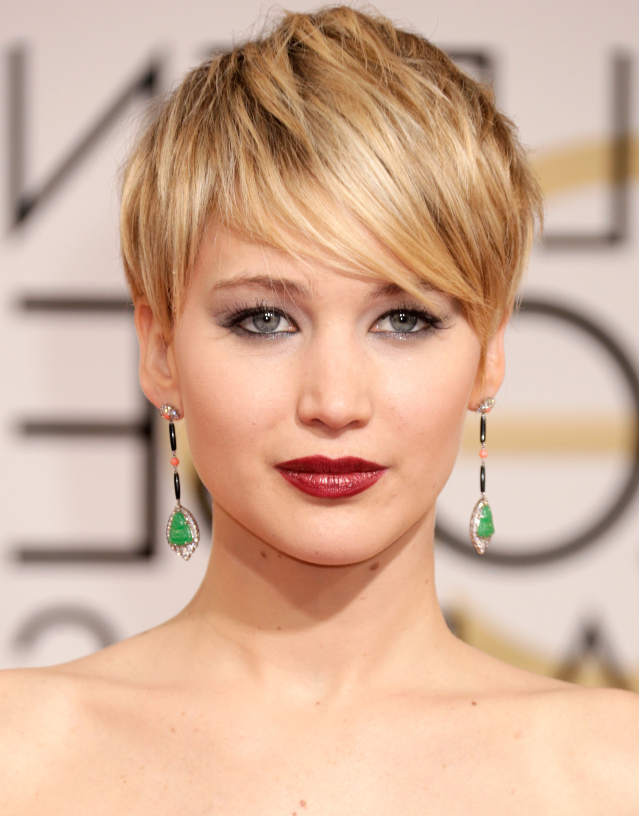 Yahoo Beauty — Best Golden Globes Beauty Of All Time With Latest Low Haloed Braided Hairstyles (Gallery 18 of 20)