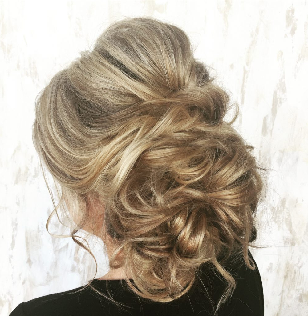 33 Breathtaking Loose Updos That Are Trendy For 2019 In Popular Angular Updo Hairstyles With Waves And Texture (Gallery 17 of 20)