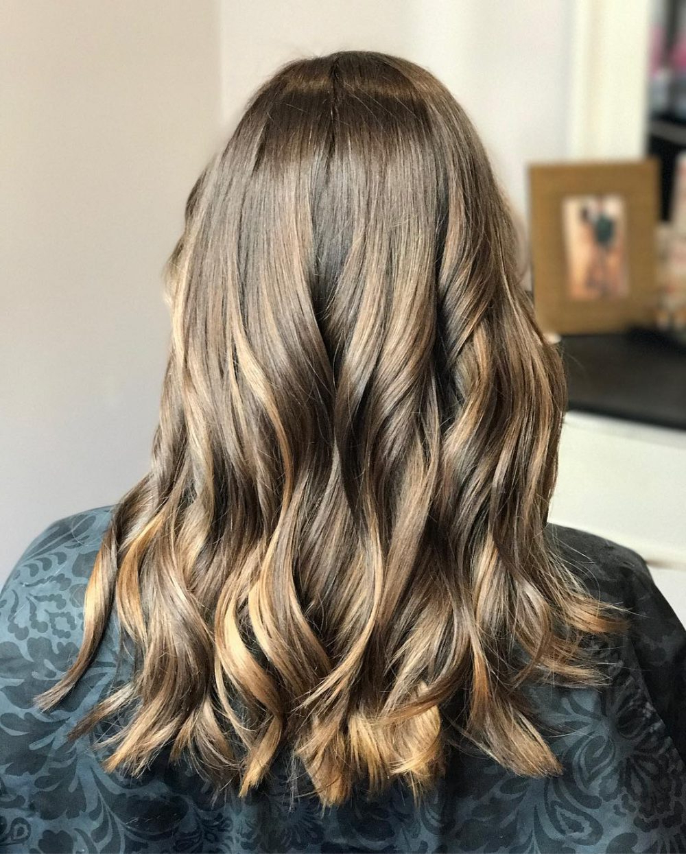 34 Sweetest Caramel Highlights On Light To Dark Brown Hair In Most Current Long Waves Hairstyles With Subtle Highlights (View 7 of 20)