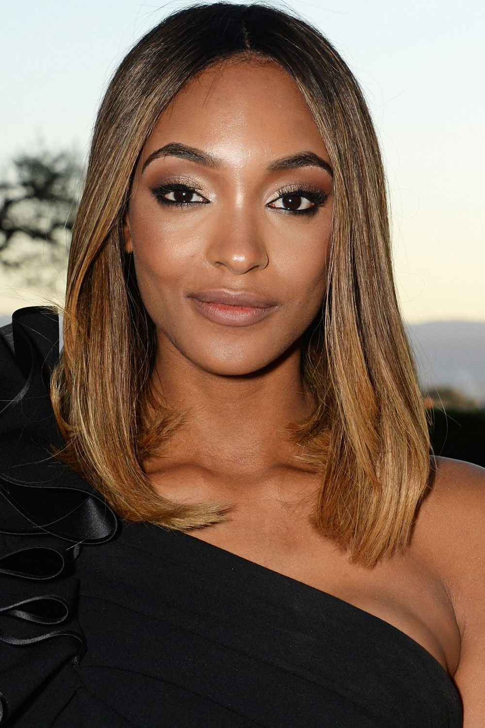 50 Best Medium Hairstyles – Celebrities With Shoulder Length Pertaining To Most Recent Chin Length Bob Hairstyles With Middle Part (View 6 of 20)