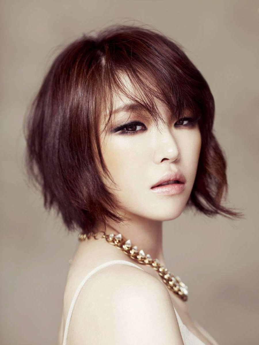 Featured Photo of Blunt Bangs Asian Hairstyles