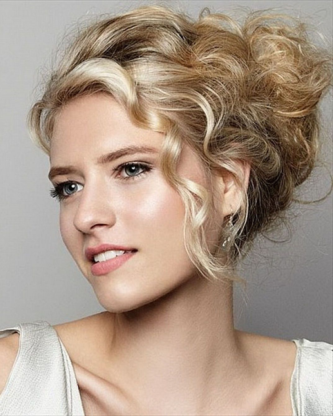 Featured Photo of Elegant Messy Updos With Side Bangs