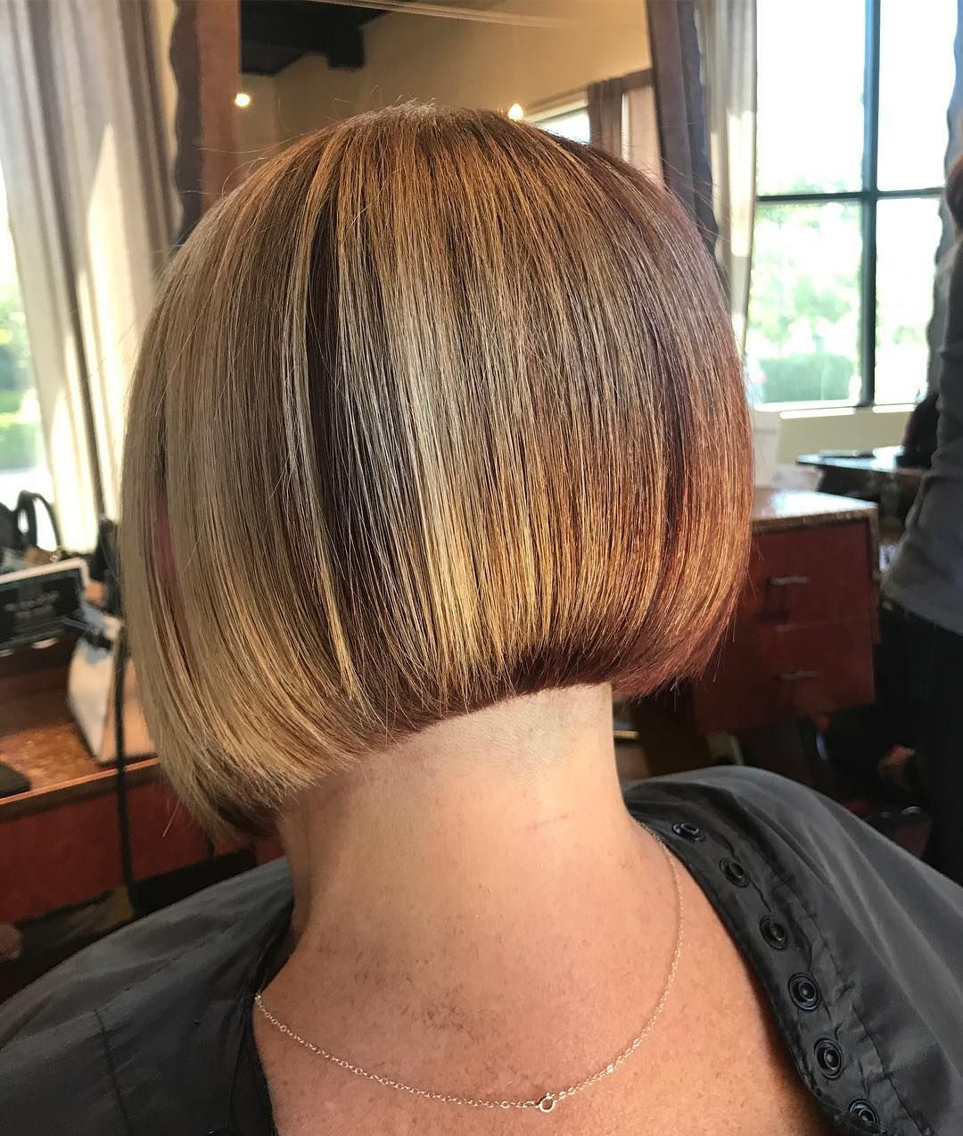 Bob In Well Known Classic Bob Hairstyles With Side Part (View 10 of 20)