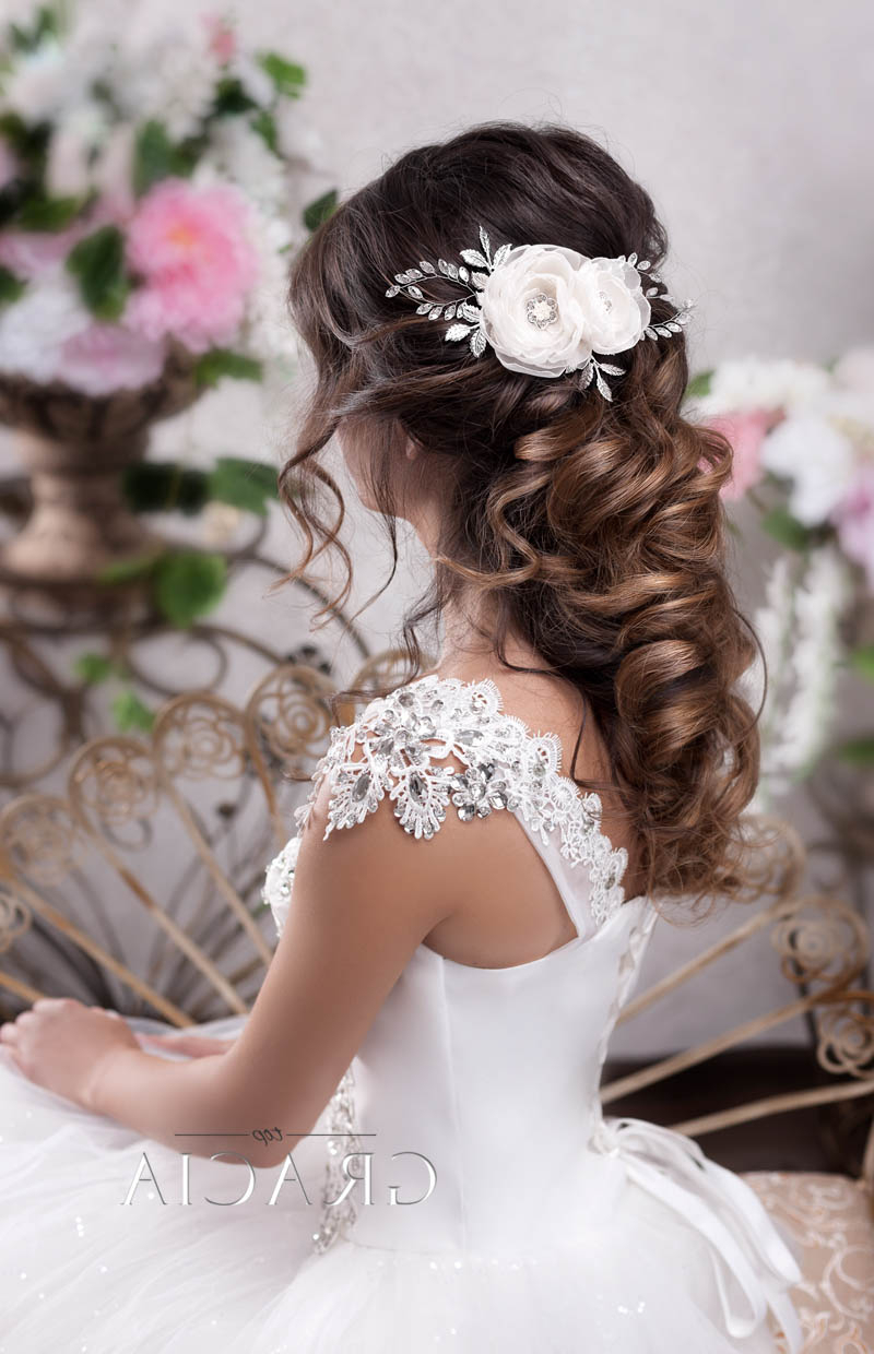 Famous Long Half Updo Hairstyles With Accessories For 6 Romantic Bridal Hair Half Up Half Down Hairstyle With Veil (View 7 of 20)