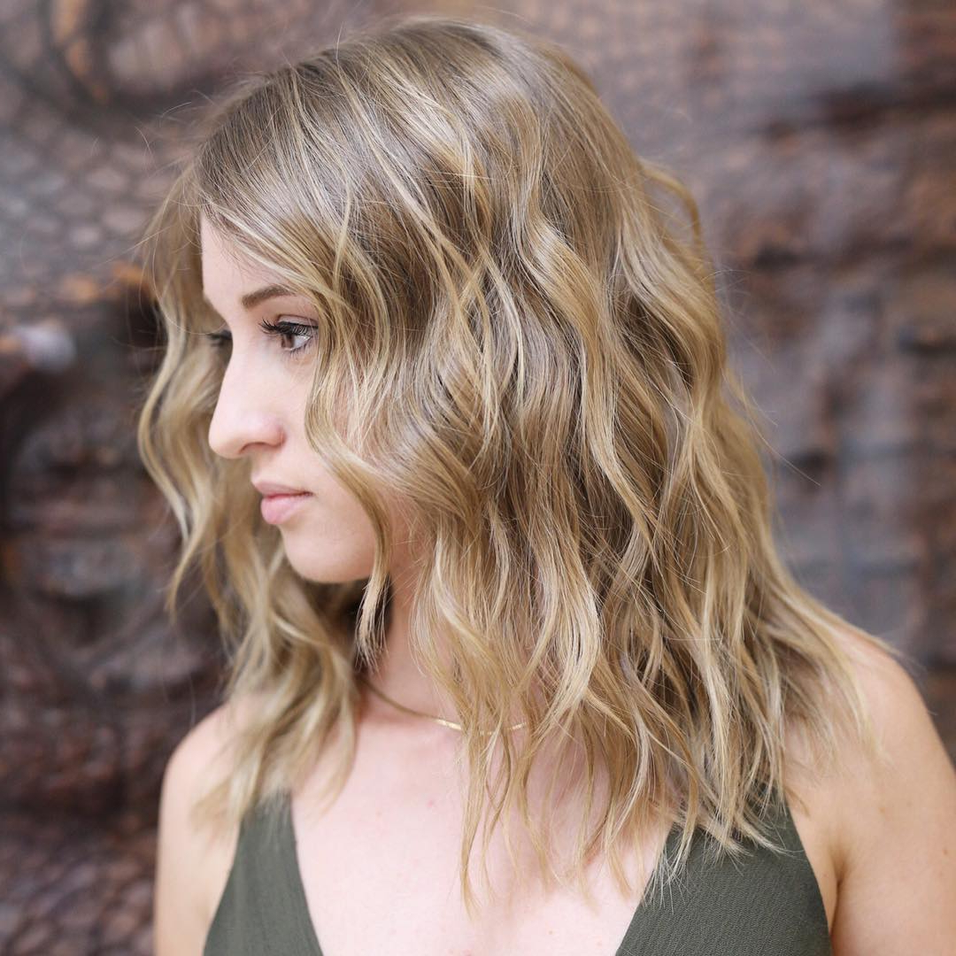 Fashionable Wavy Lob Hairstyles With Face Framing Highlights Pertaining To 35 Killer Ways To Work Long Bob Haircuts For 2019 (Gallery 15 of 20)