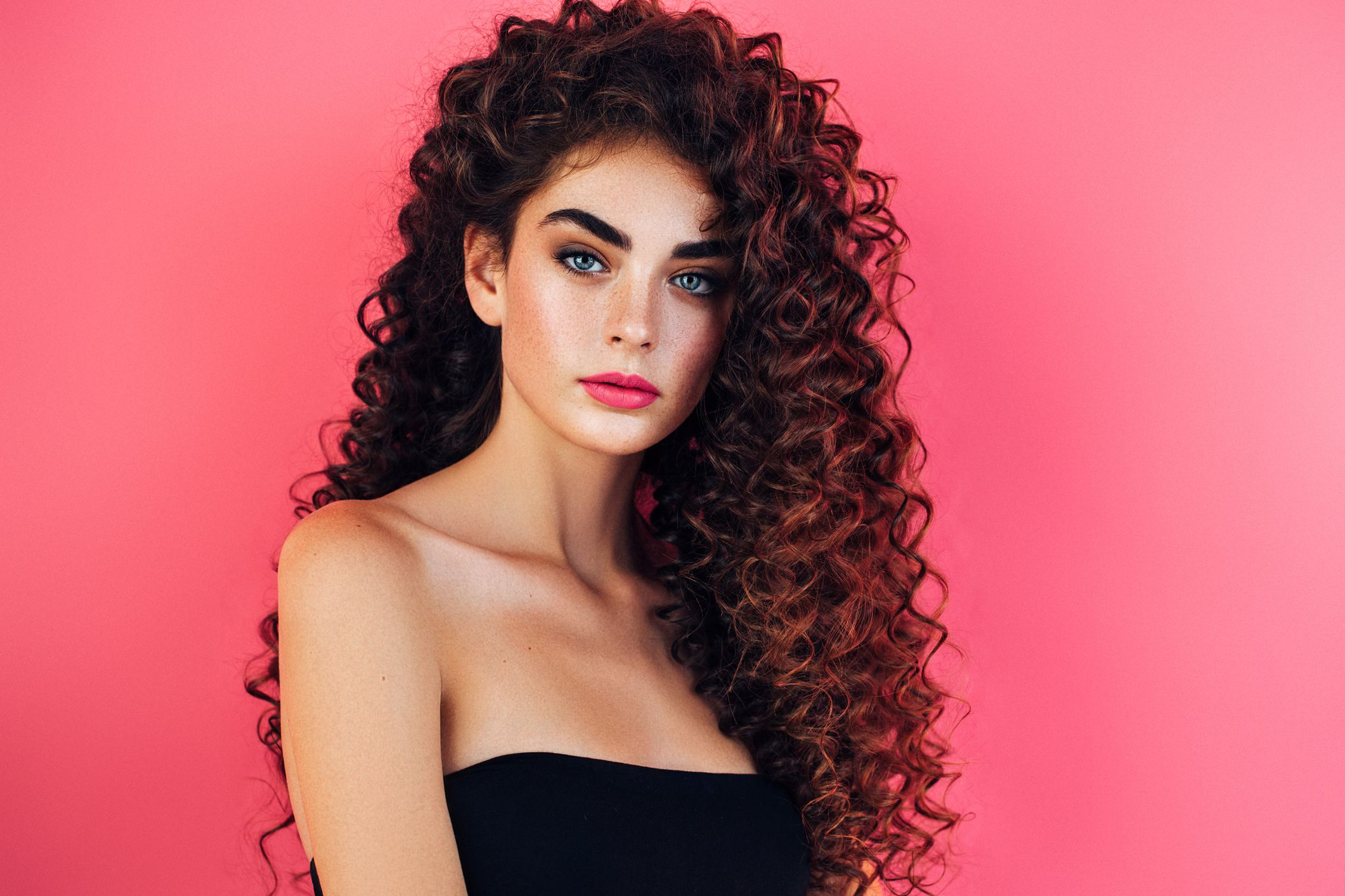 How To Get Thicker Hair — 11 Tips For Making Hair Look Thicker In Most Recent Luscious Curls Hairstyles With Puffy Crown (View 11 of 20)