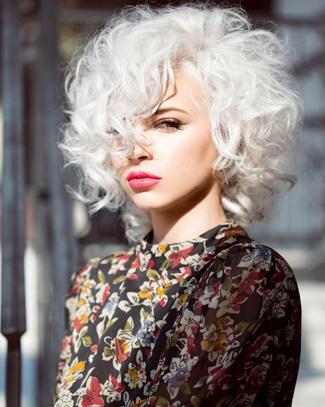 Featured Photo of Retro Side Hairdos With Texture