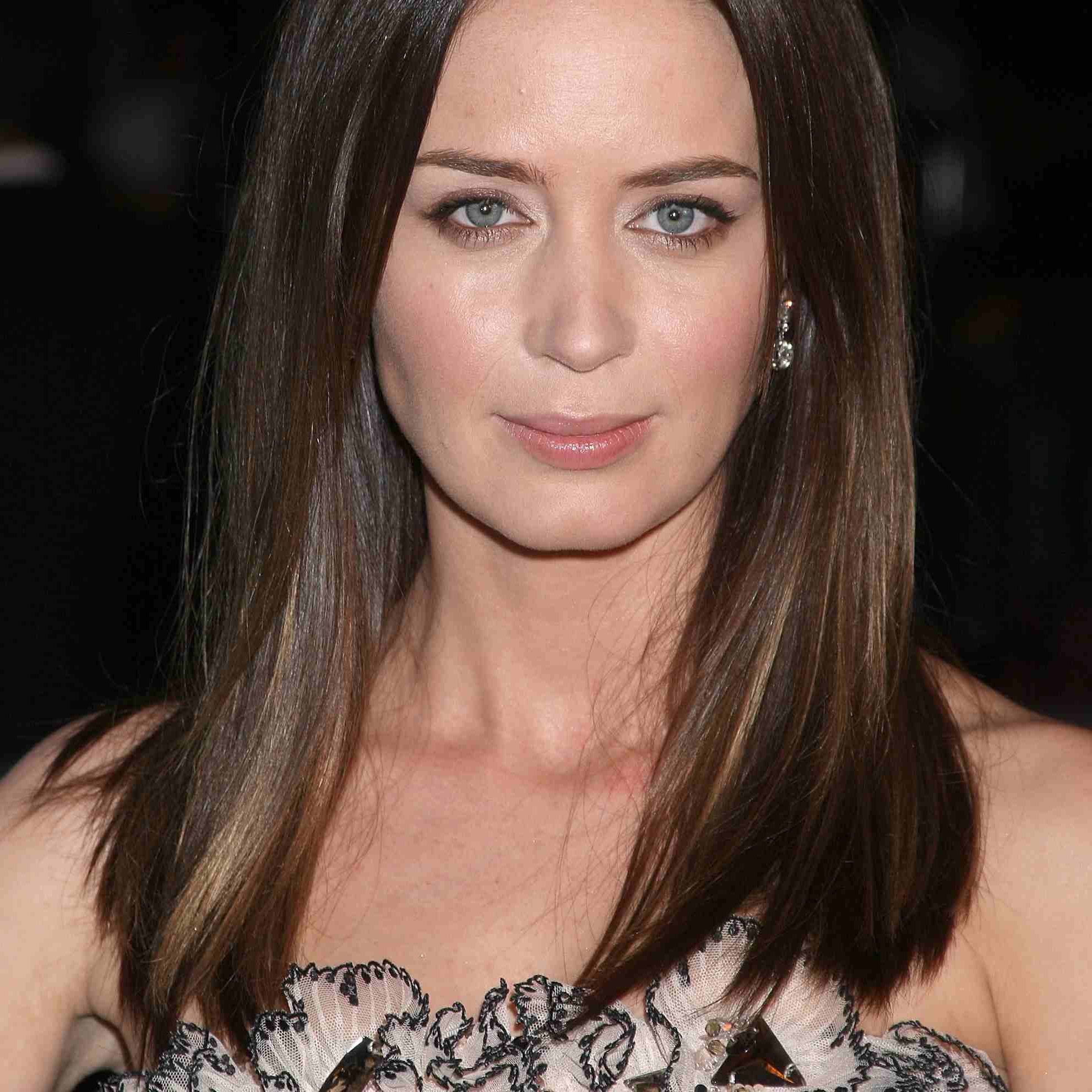 Most Current Sleek Straight And Long Layers Hairstyles With Hairstyles For Women With Long, Naturally Straight Hair (View 14 of 20)