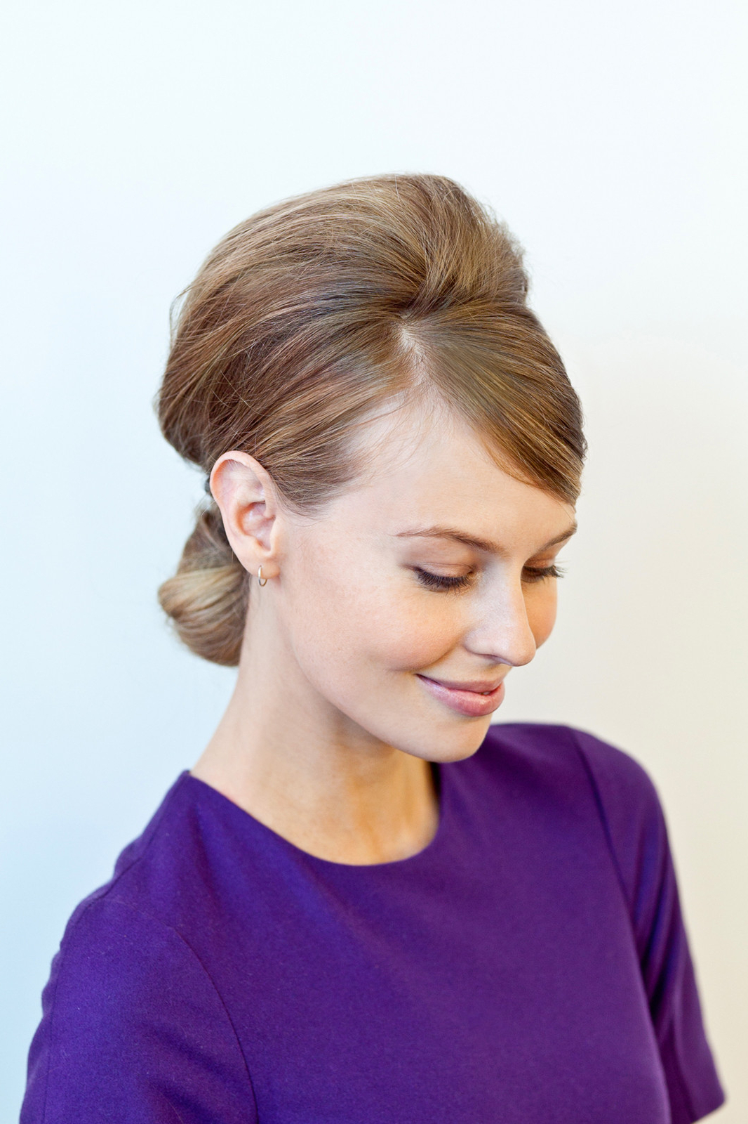 Party Hairstyles – How To Do Easy Hairdos For Parties With Famous Easy Side Downdo Hairstyles With Caramel Highlights (Gallery 16 of 20)