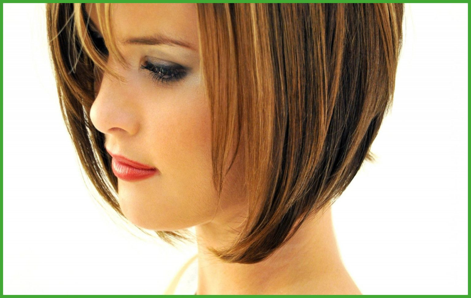 Pauleerestaurant Pertaining To Best And Newest Shoulder Length Bob Hairstyles With Side Bang (View 13 of 20)