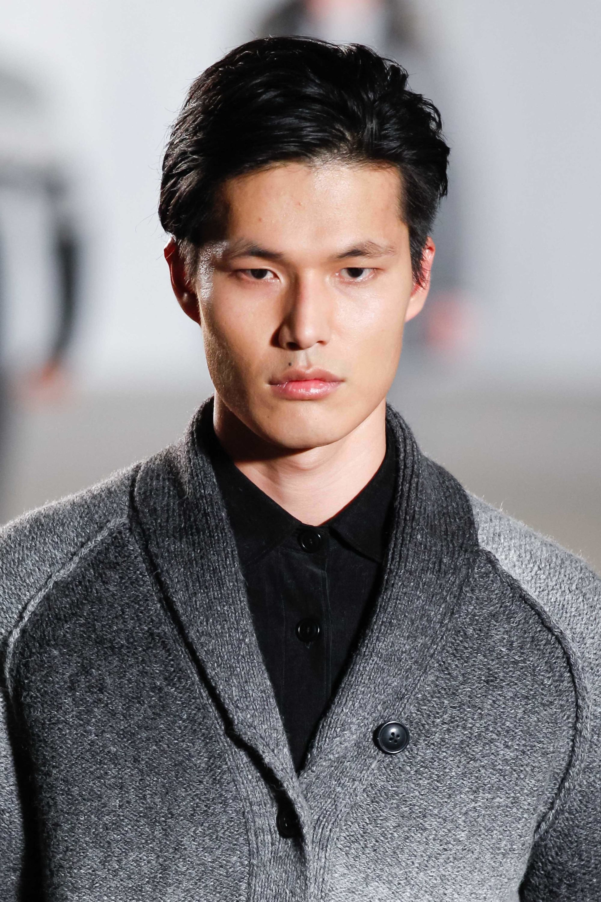 Trendy Classic Straight Asian Hairstyles For Asian Men Hairstyles: 15 Popular Looks That You Need To Try (View 14 of 20)