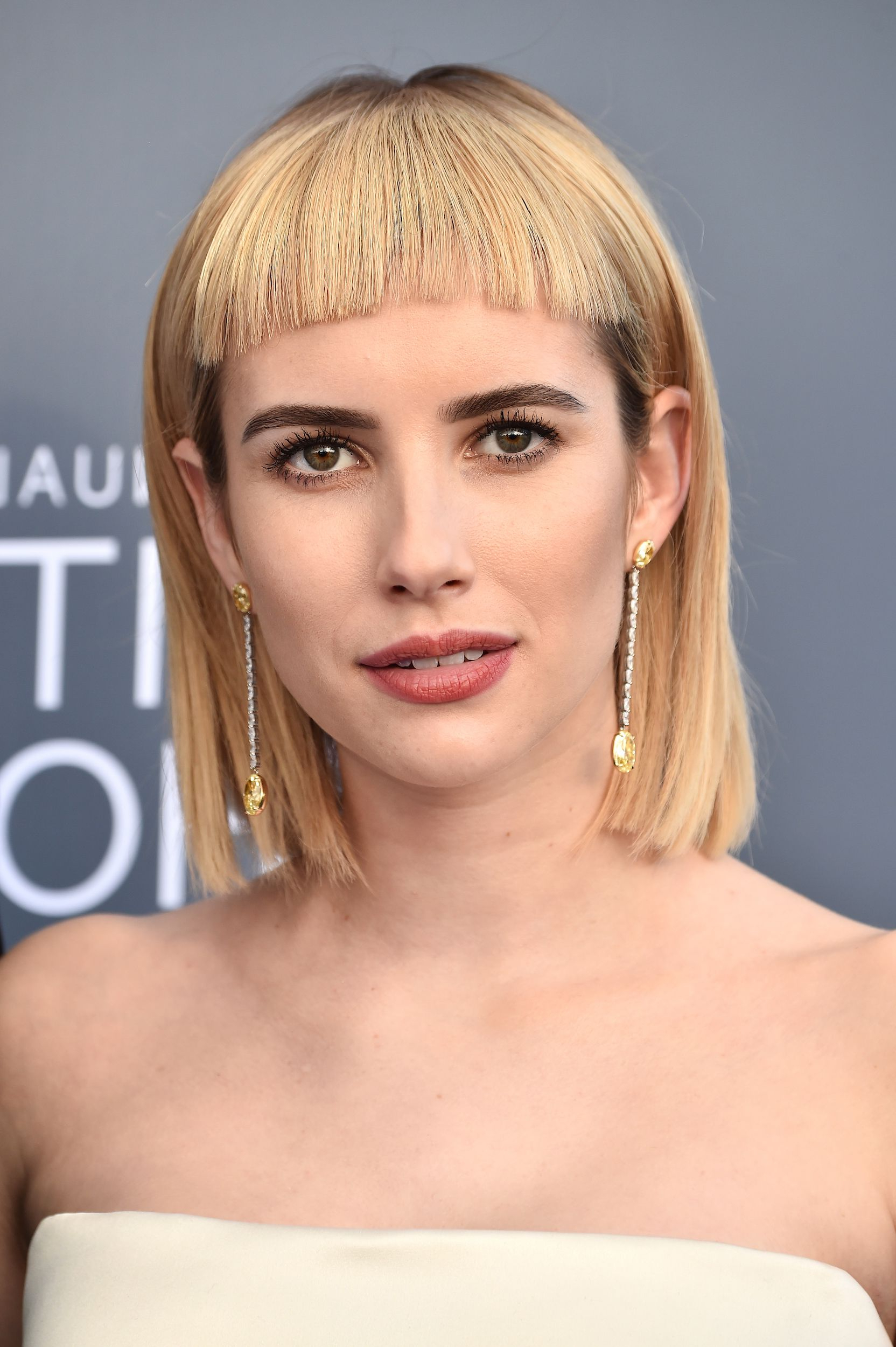 Trendy Stylish Updos With Puffy Crown And Bangs With Regard To 35 Best Hairstyles With Bangs – Photos Of Celebrity Haircuts (View 17 of 20)
