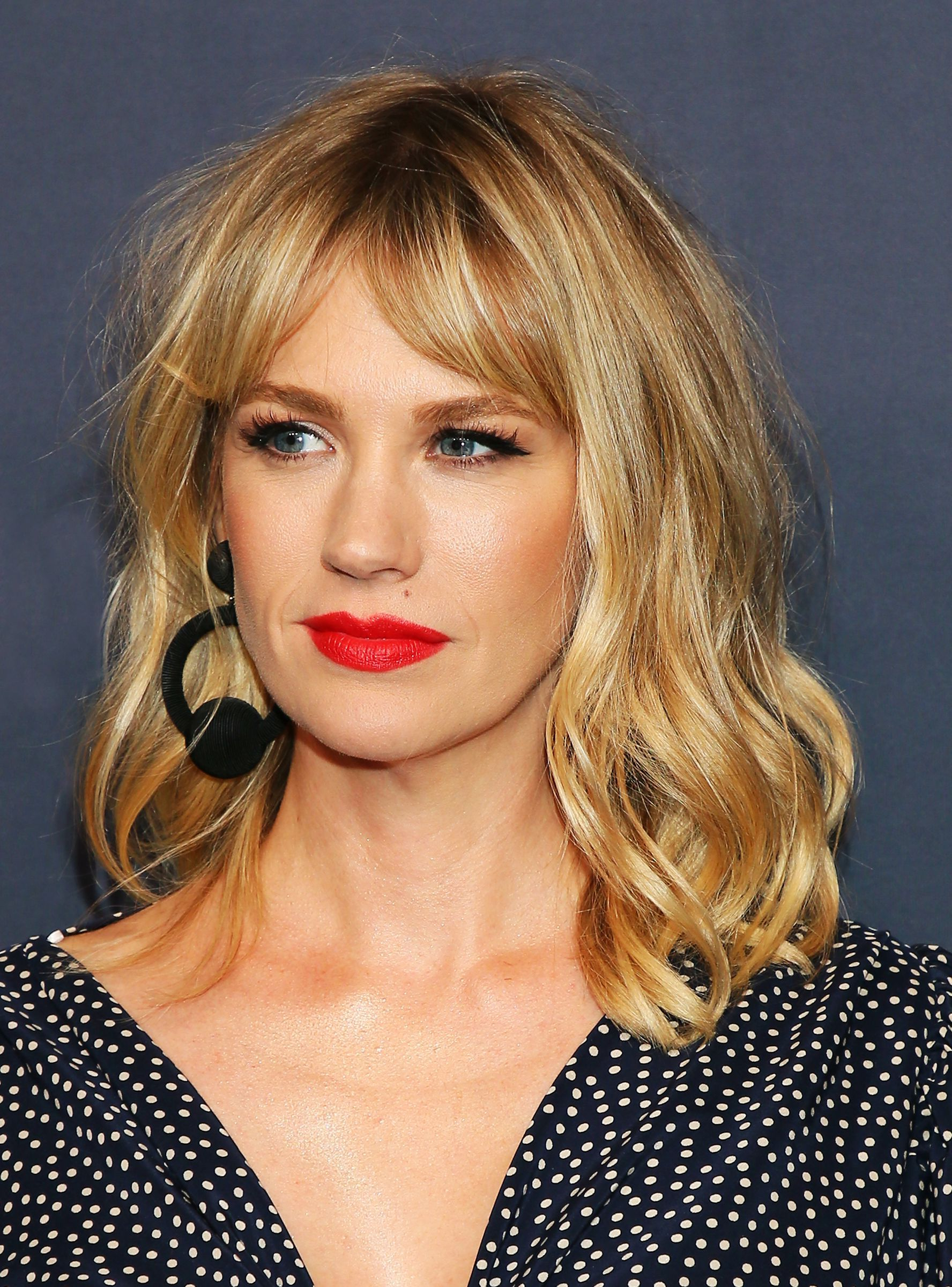 Well Liked Middle Parted Relaxed Bob Hairstyles With Side Sweeps Intended For Pin On Beauty (Gallery 19 of 20)