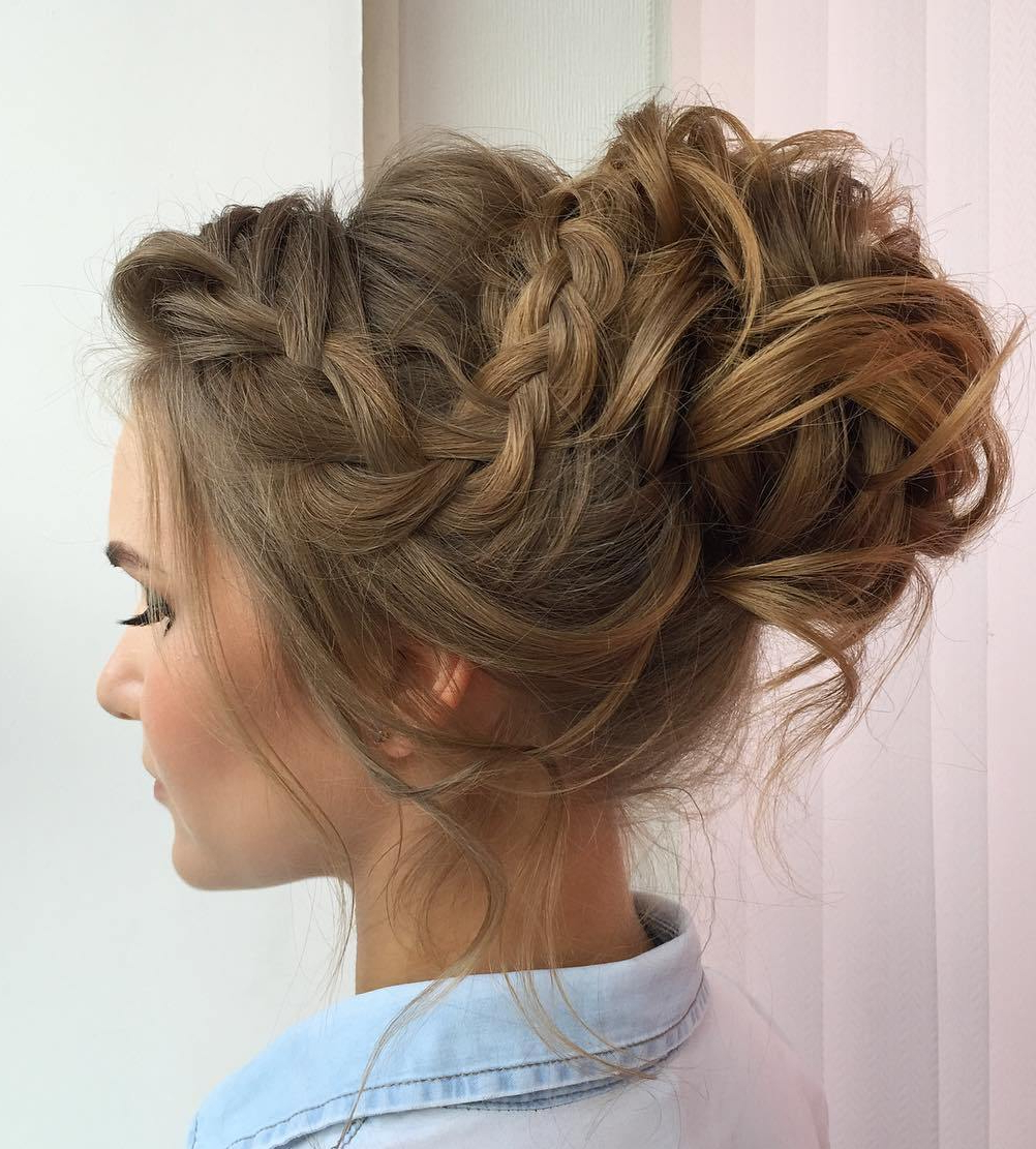Featured Photo of Messy Updo Hairstyles With Free Curly Ends
