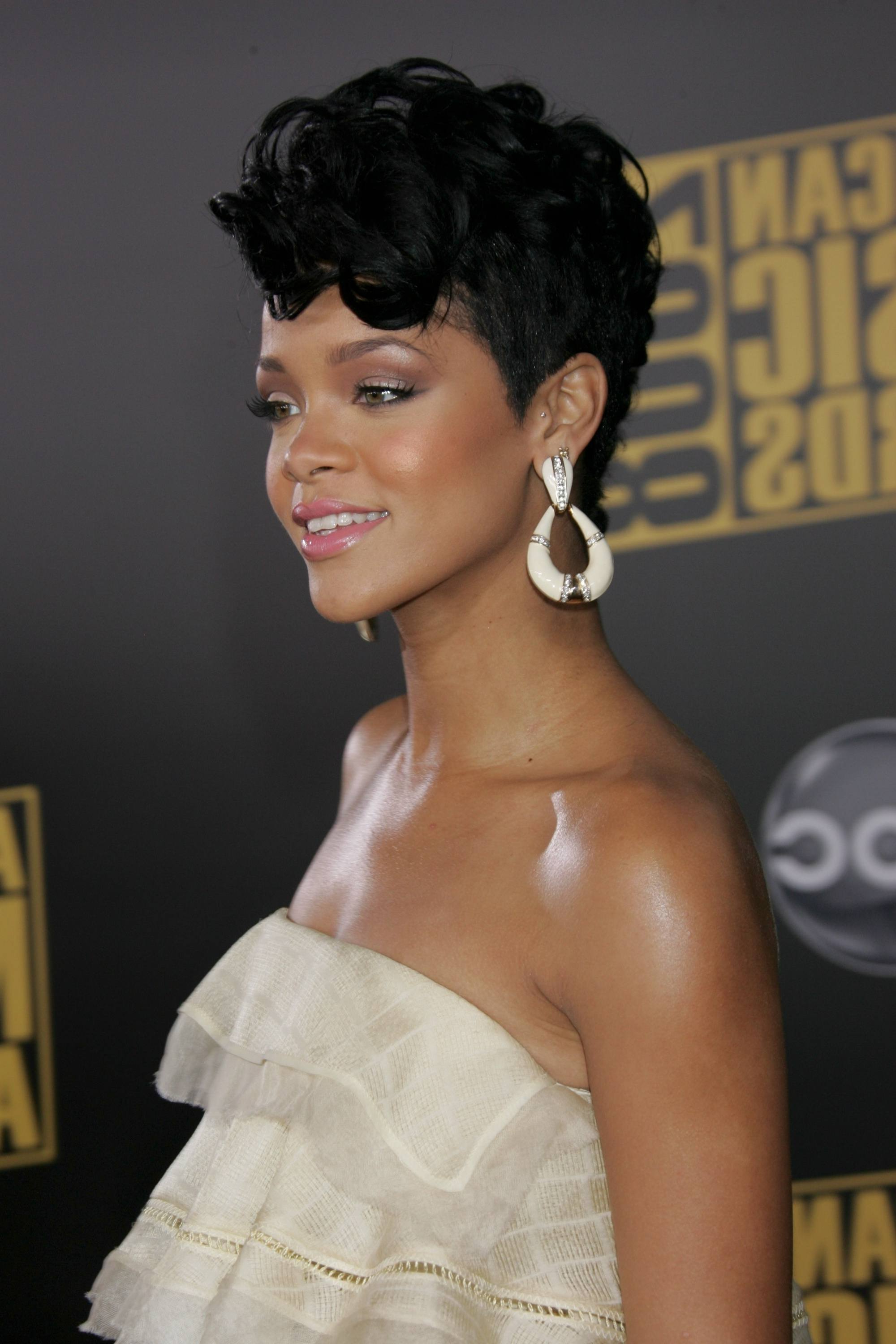 10 Mohawk Hairstyles For Black Women You Seriously Need To Inside Fashionable Rihanna Black Curled Mohawk Hairstyles (View 2 of 20)