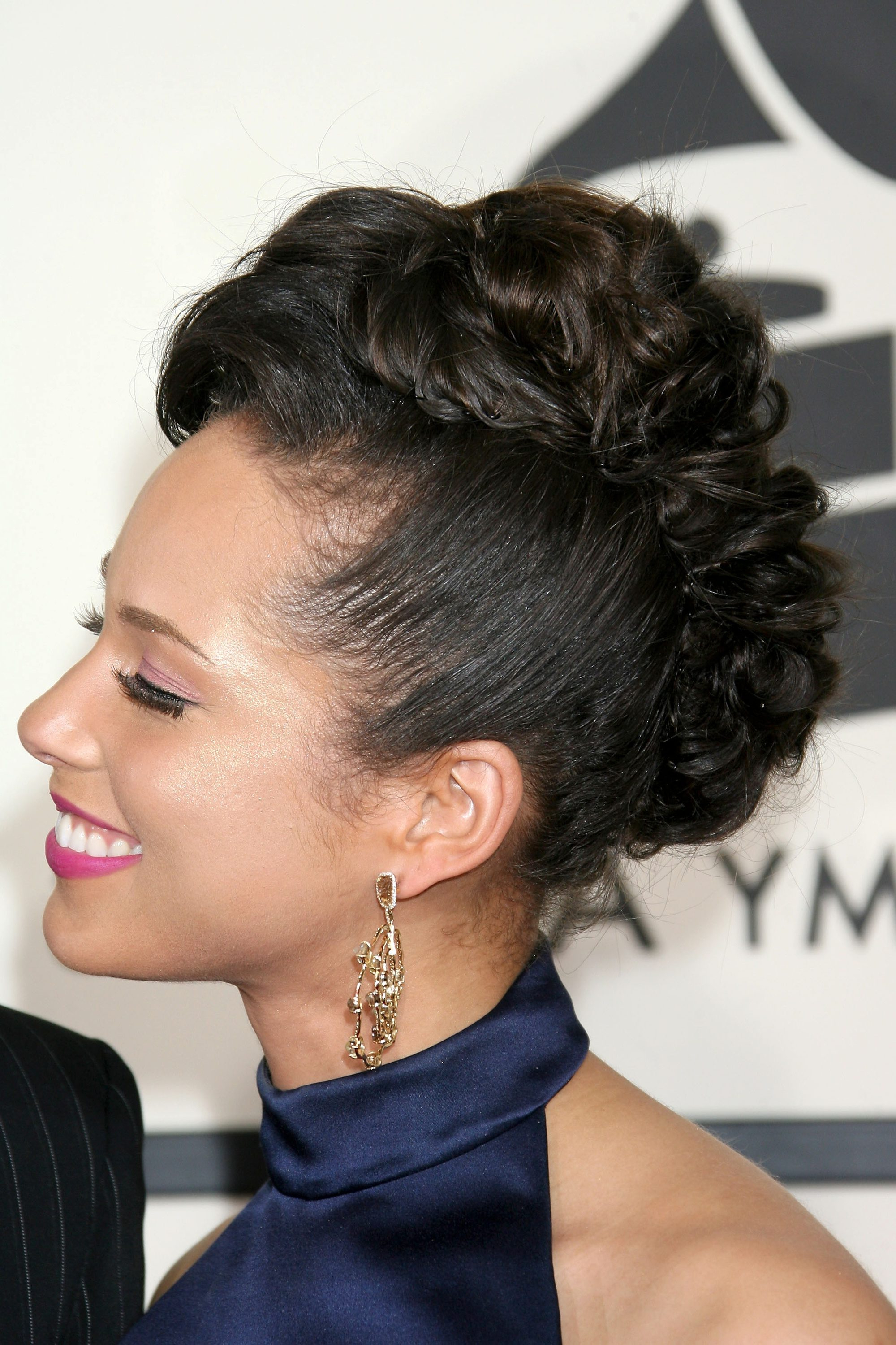 10 Mohawk Hairstyles For Black Women You Seriously Need To Within Preferred Alicia Keys Glamorous Mohawk Hairstyles (View 6 of 20)